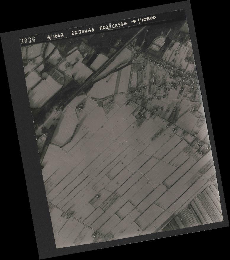 Collection RAF aerial photos 1940-1945 - flight 276, run 06, photo 3036