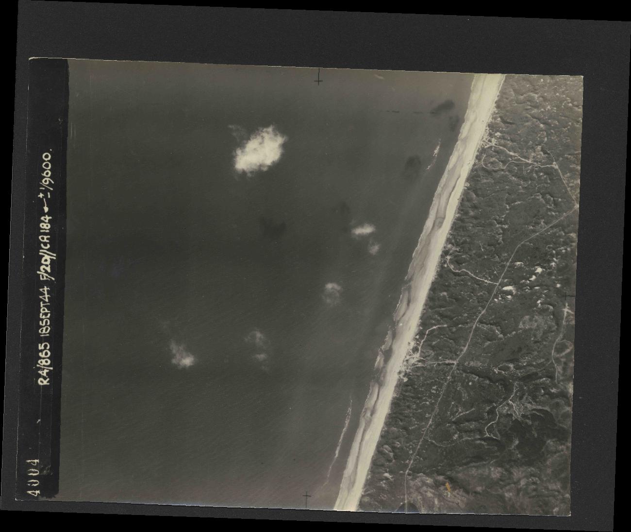 Collection RAF aerial photos 1940-1945 - flight 280, run 01, photo 4004