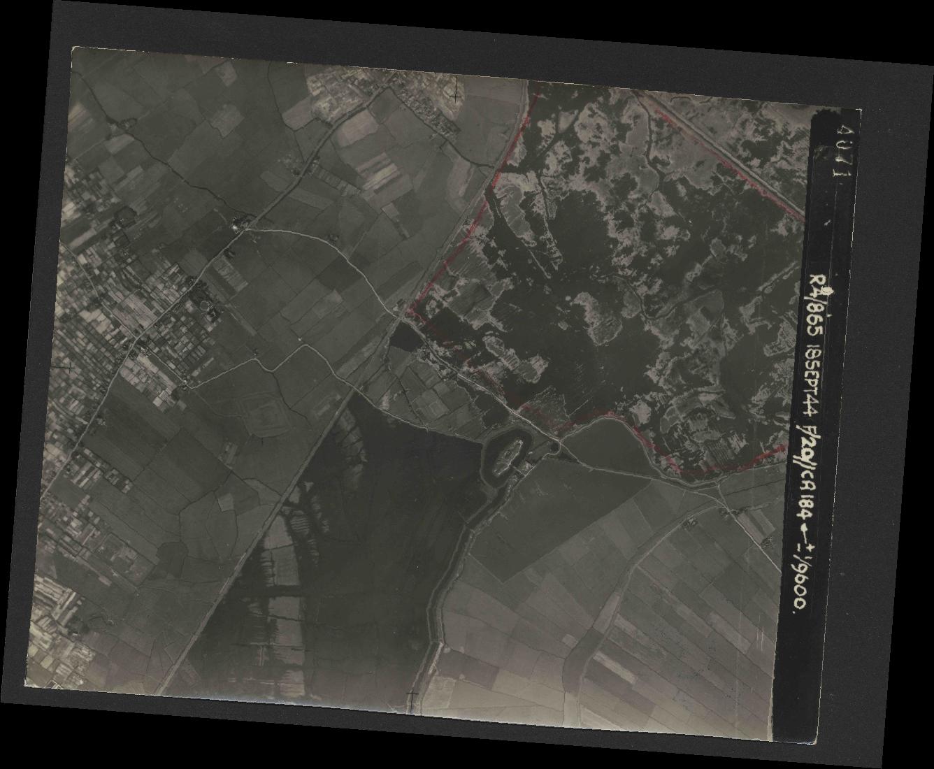 Collection RAF aerial photos 1940-1945 - flight 280, run 04, photo 4071
