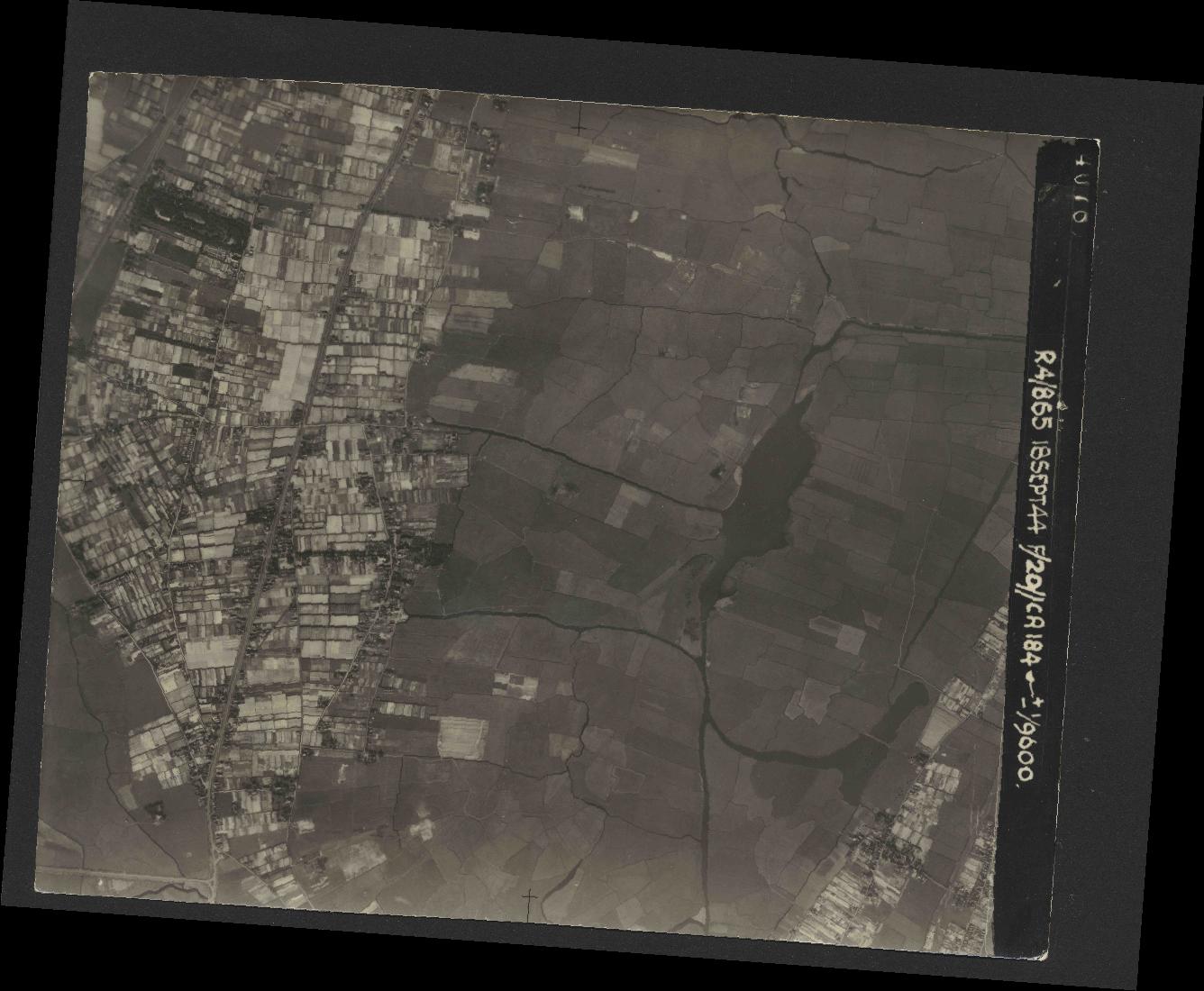 Collection RAF aerial photos 1940-1945 - flight 280, run 04, photo 4078