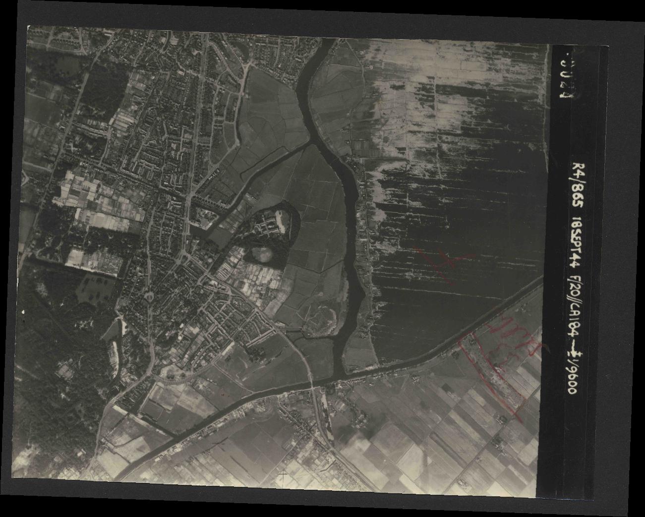 Collection RAF aerial photos 1940-1945 - flight 280, run 05, photo 3024
