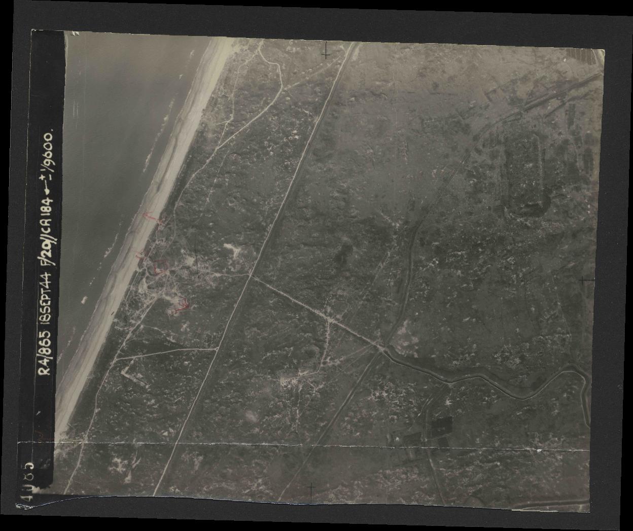 Collection RAF aerial photos 1940-1945 - flight 280, run 07, photo 4085