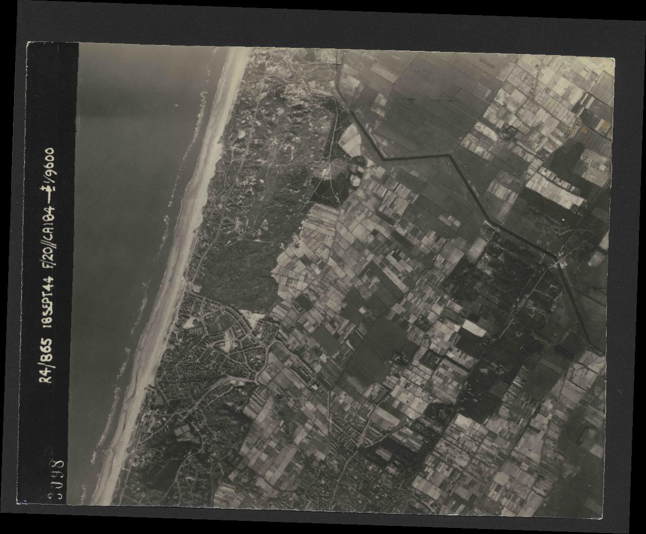Collection RAF aerial photos 1940-1945 - flight 280, run 09, photo 3098