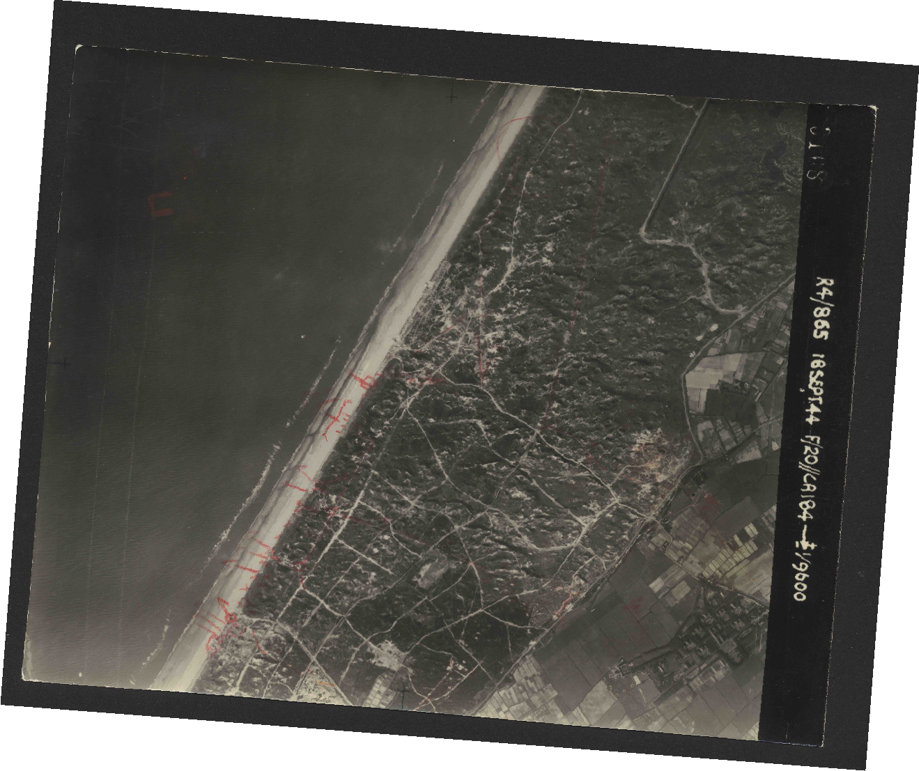 Collection RAF aerial photos 1940-1945 - flight 280, run 12, photo 3108