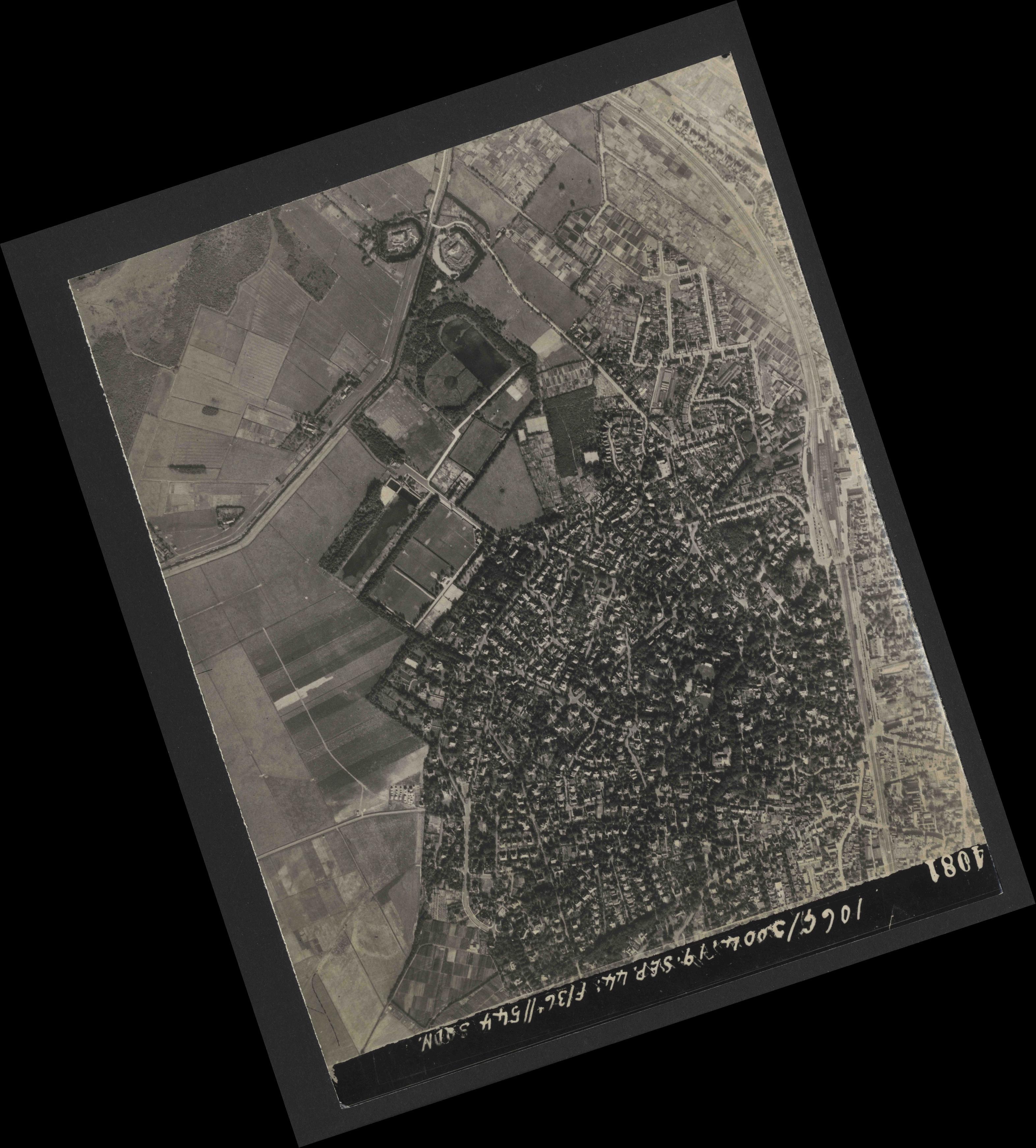 Collection RAF aerial photos 1940-1945 - flight 281, run 02, photo 4081