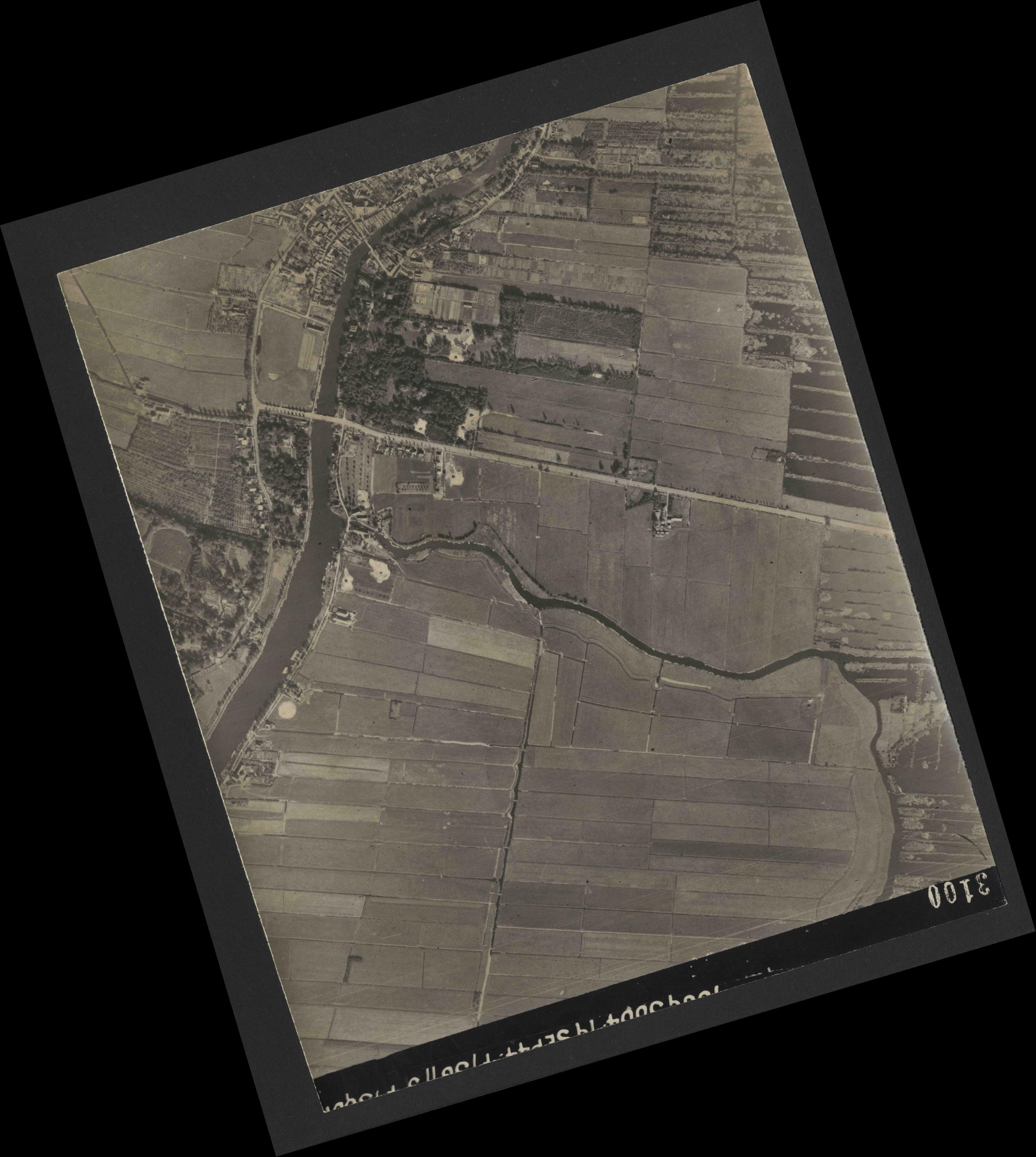 Collection RAF aerial photos 1940-1945 - flight 281, run 04, photo 3100