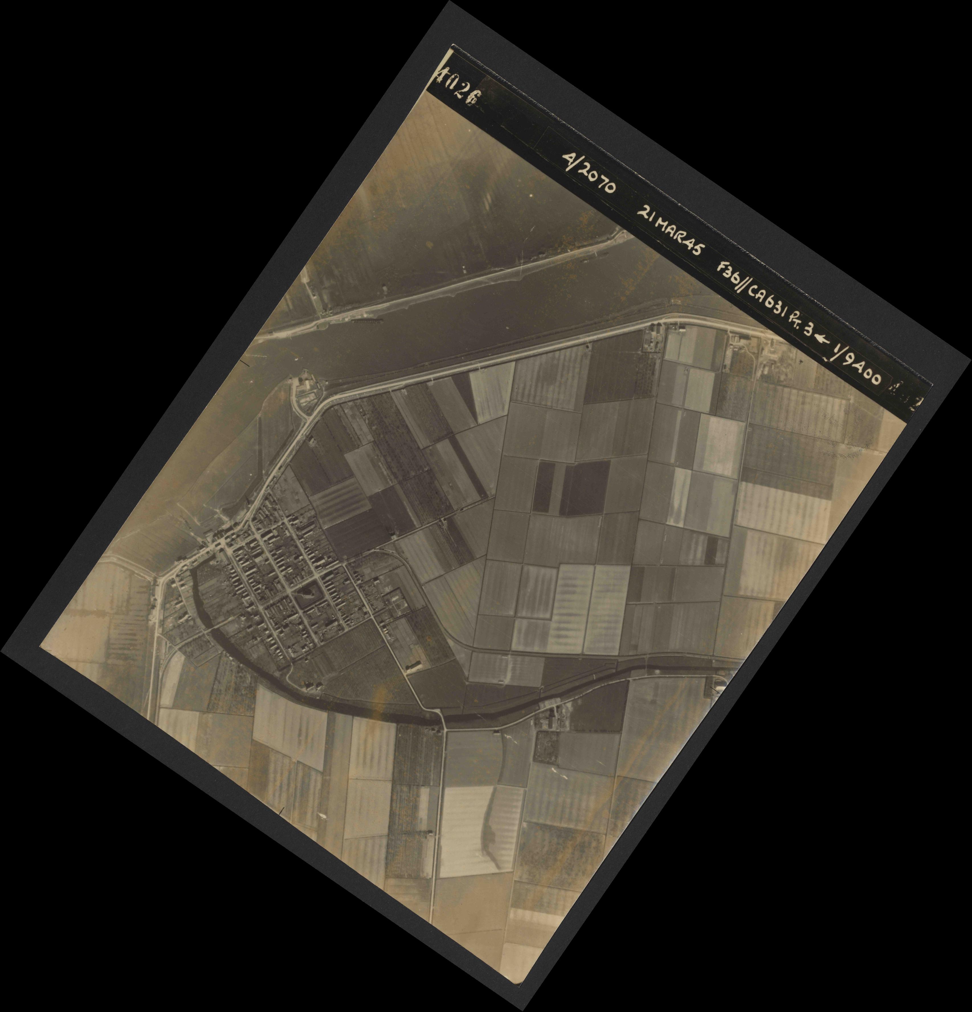 Collection RAF aerial photos 1940-1945 - flight 288, run 09, photo 4026