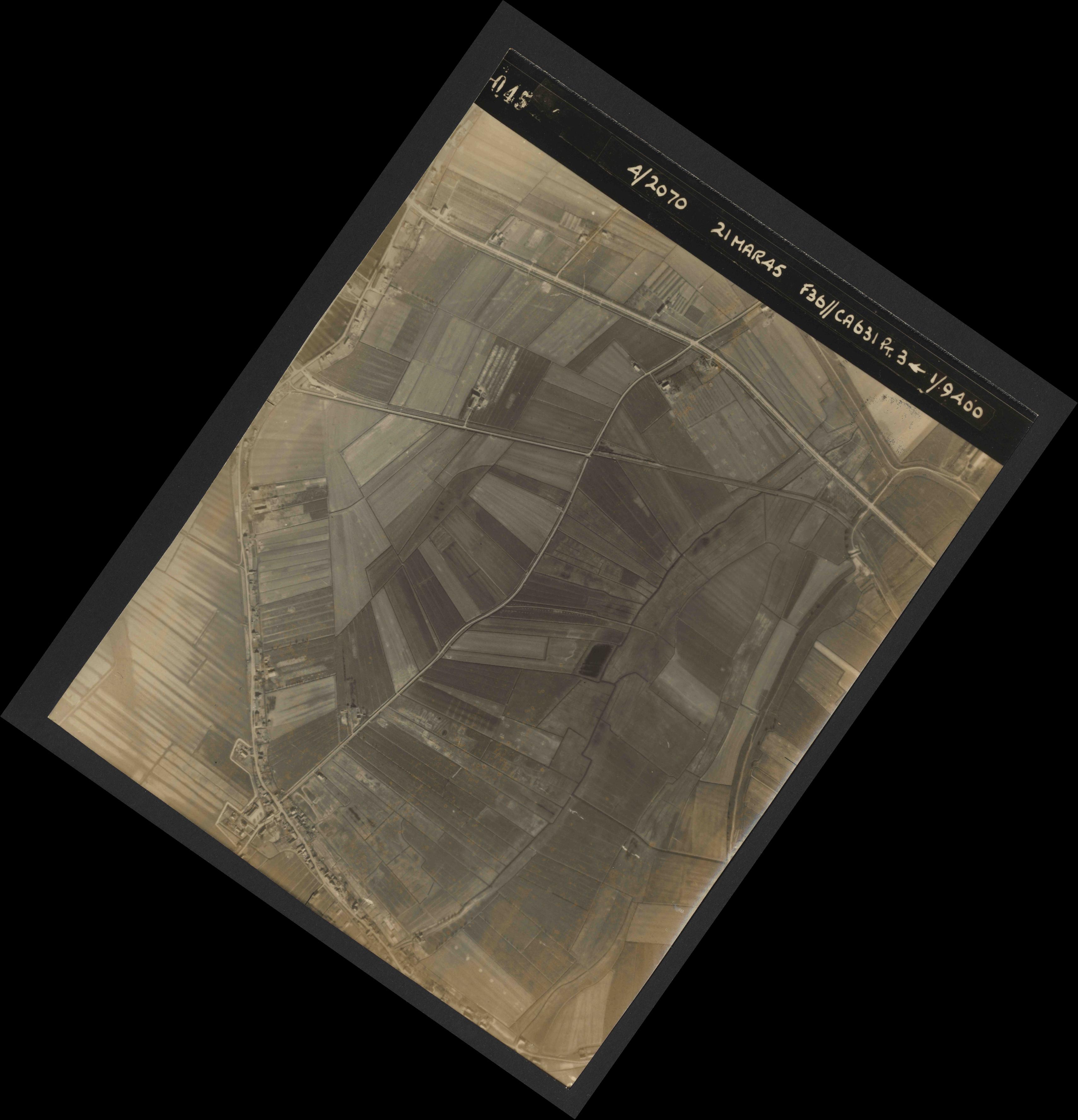 Collection RAF aerial photos 1940-1945 - flight 288, run 09, photo 4045