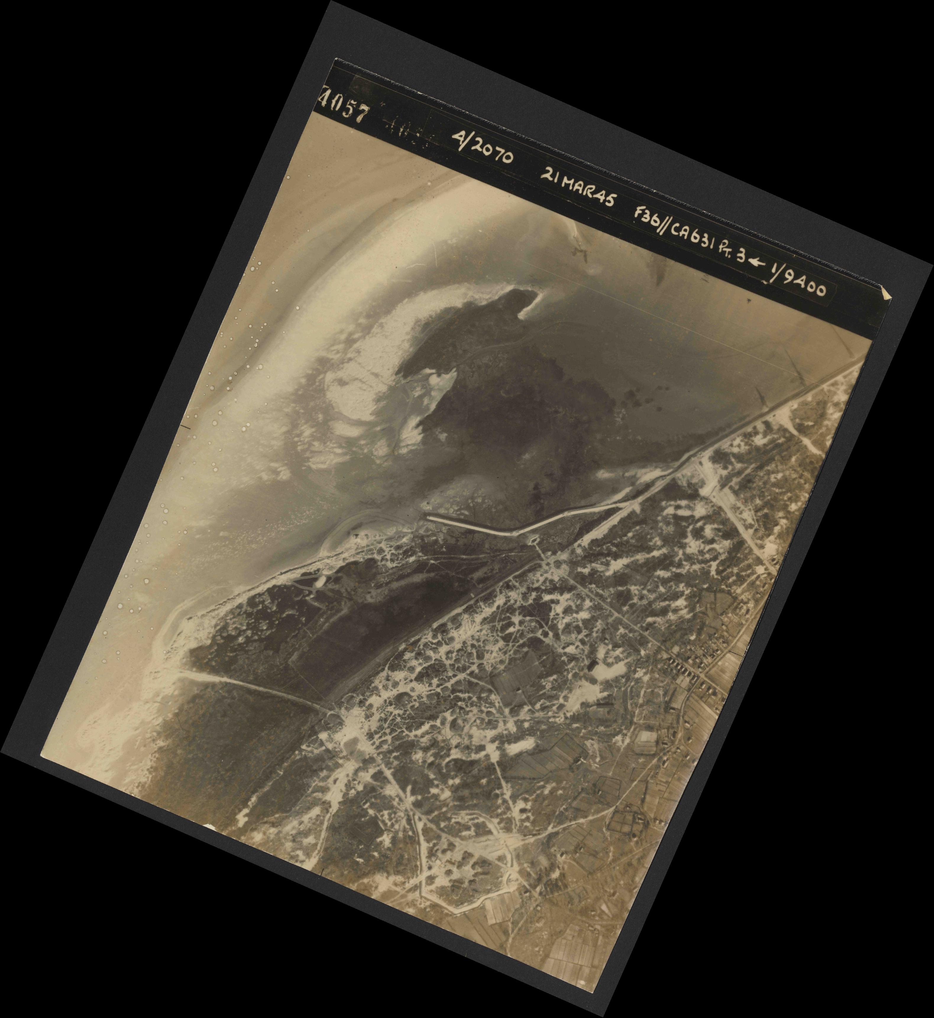 Collection RAF aerial photos 1940-1945 - flight 288, run 09, photo 4057