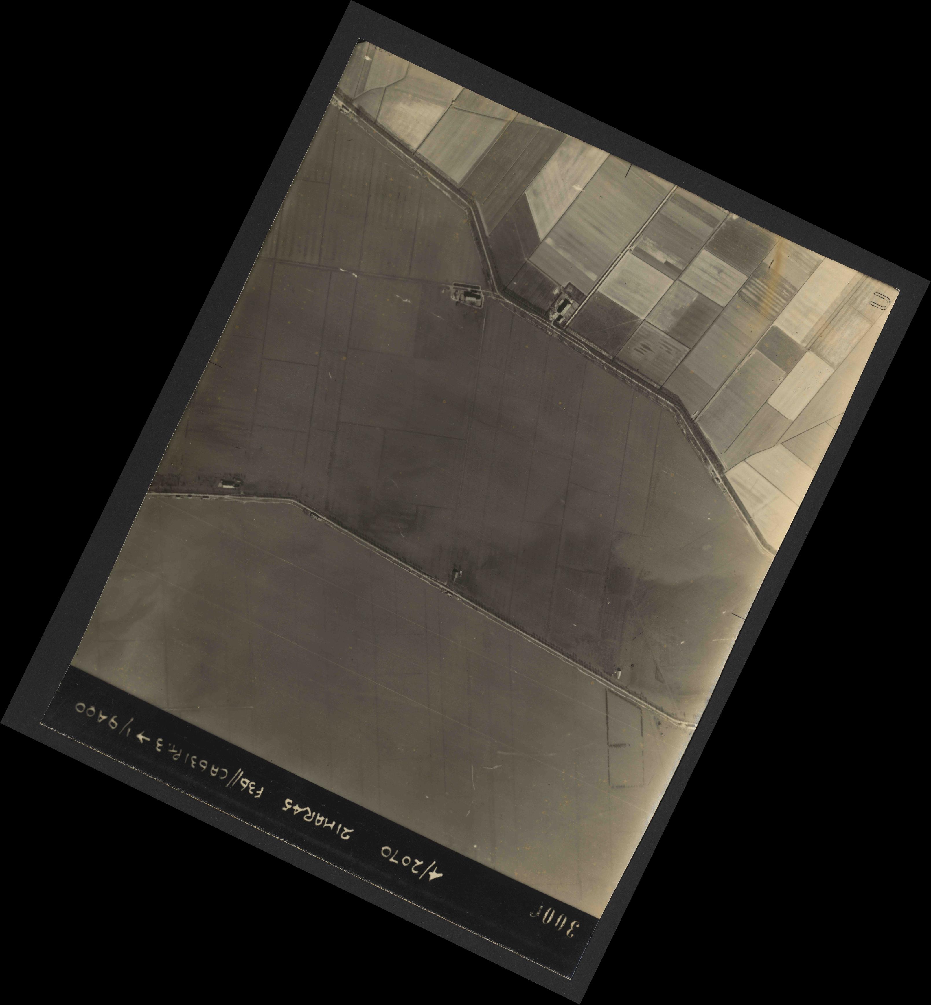 Collection RAF aerial photos 1940-1945 - flight 288, run 10, photo 3006