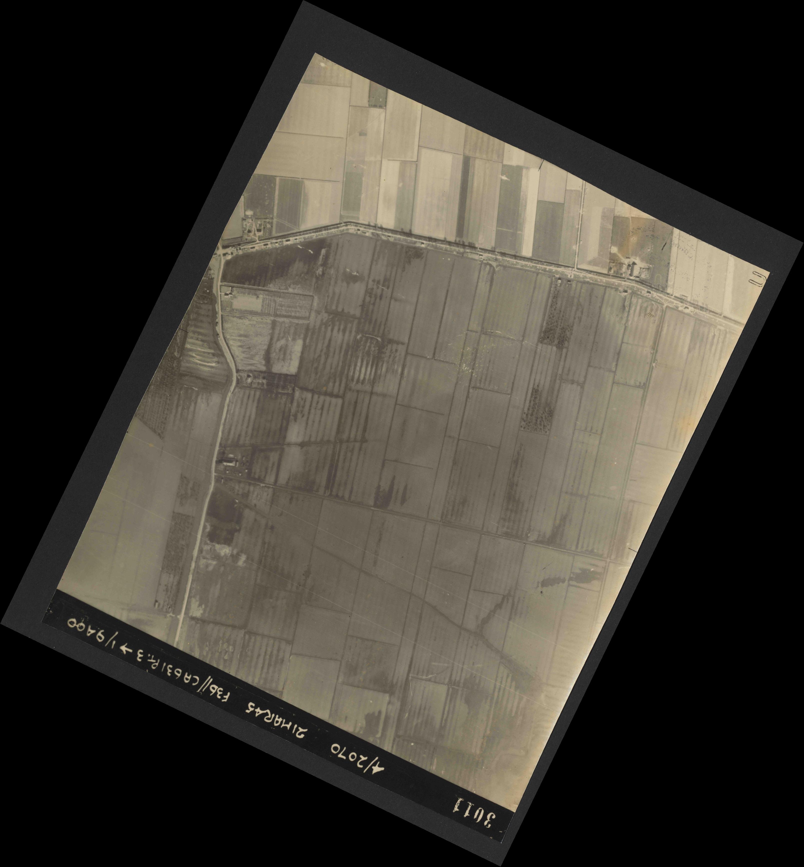 Collection RAF aerial photos 1940-1945 - flight 288, run 10, photo 3011