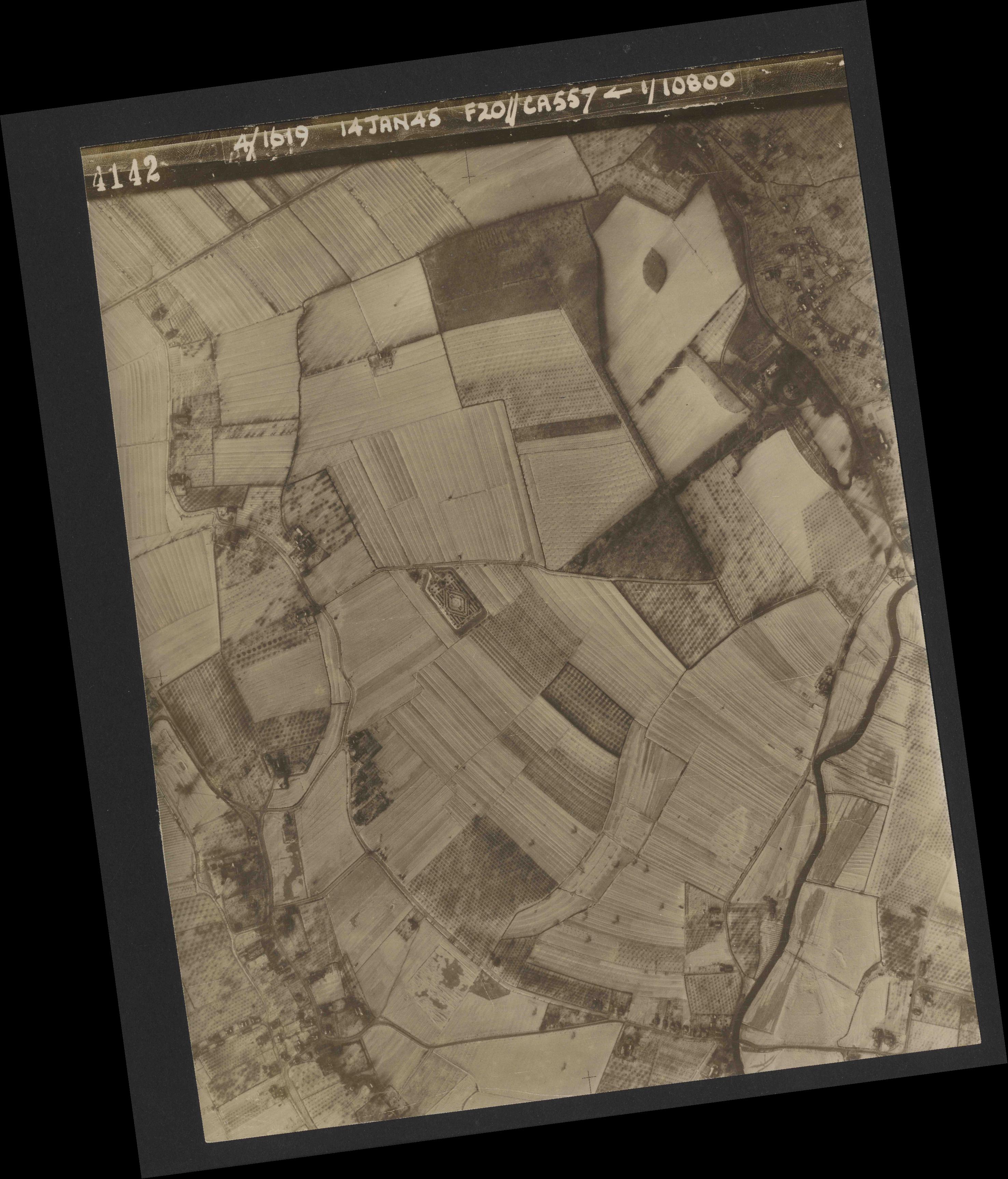 Collection RAF aerial photos 1940-1945 - flight 291, run 01, photo 4142