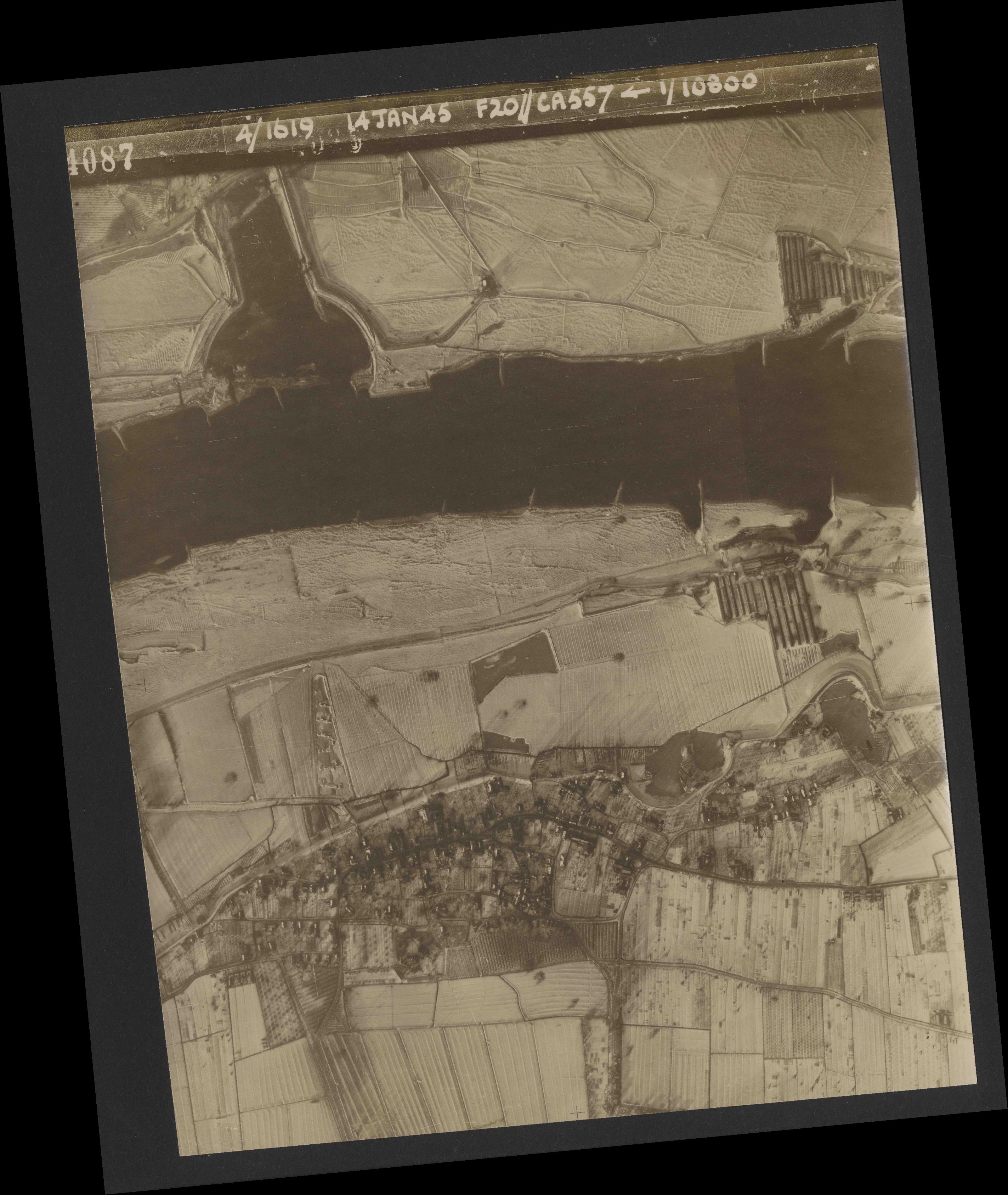 Collection RAF aerial photos 1940-1945 - flight 291, run 02, photo 4087