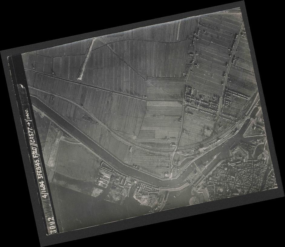 Collection RAF aerial photos 1940-1945 - flight 292, run 01, photo 3002