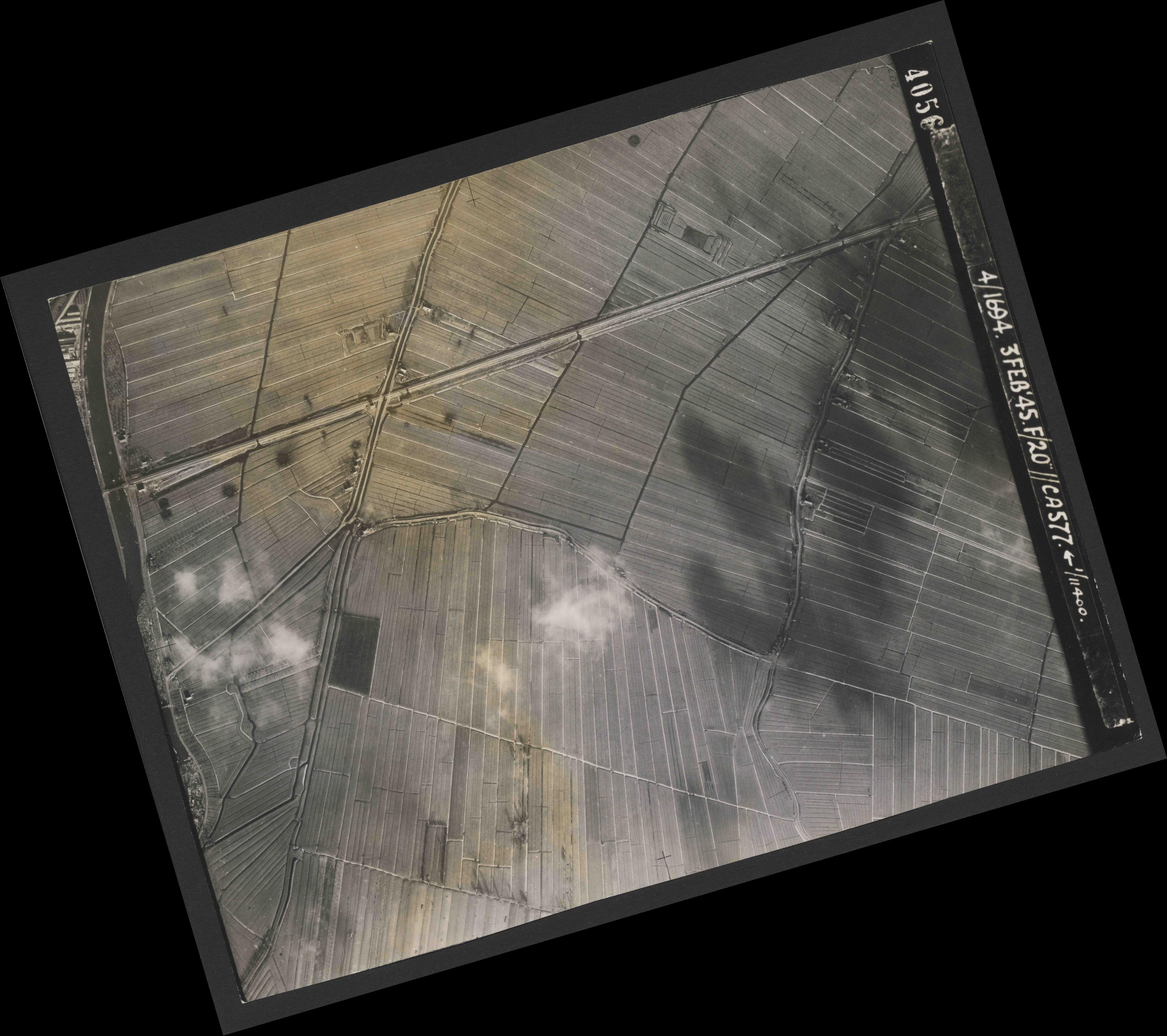 Collection RAF aerial photos 1940-1945 - flight 292, run 04, photo 4056