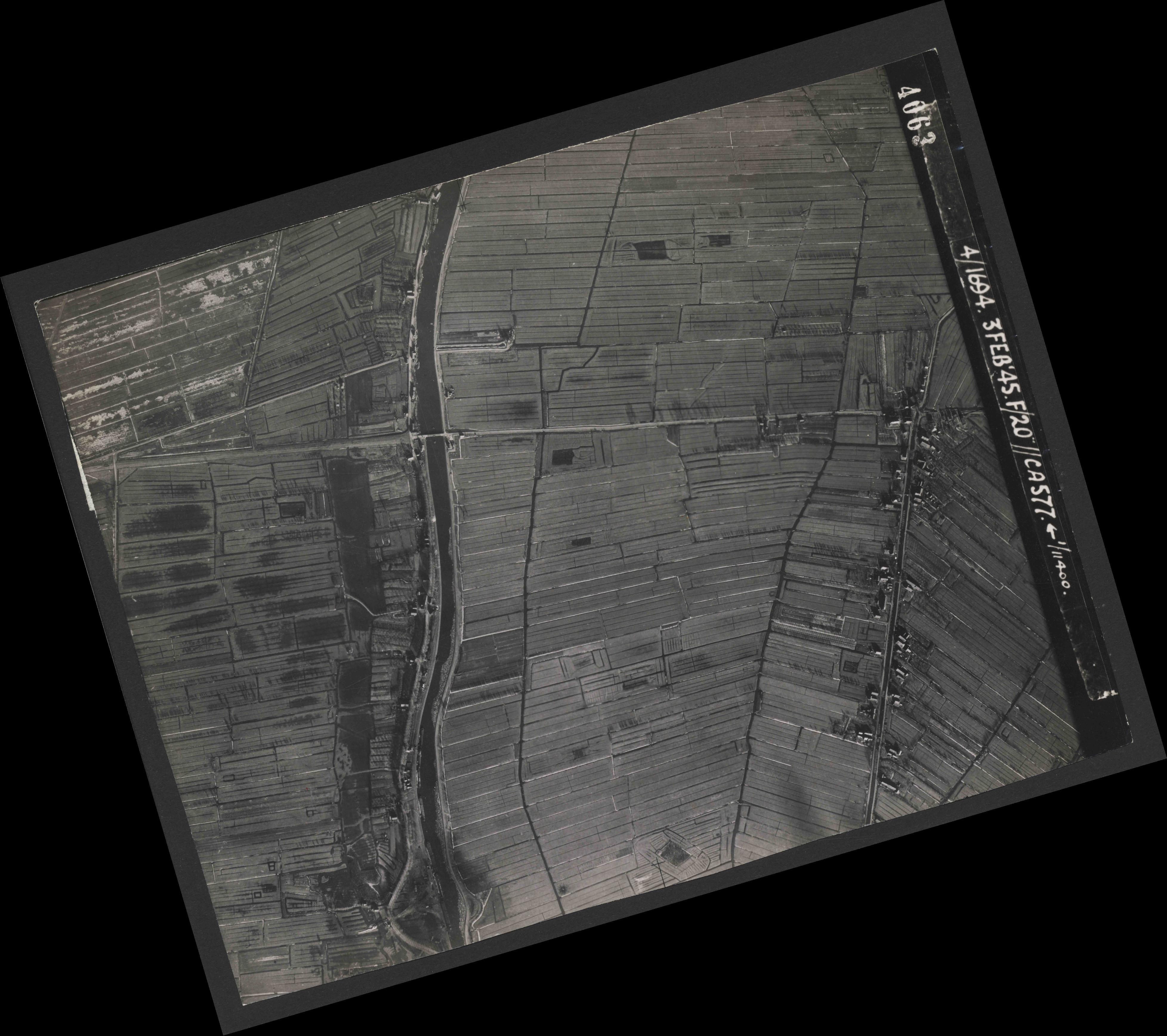 Collection RAF aerial photos 1940-1945 - flight 292, run 04, photo 4063