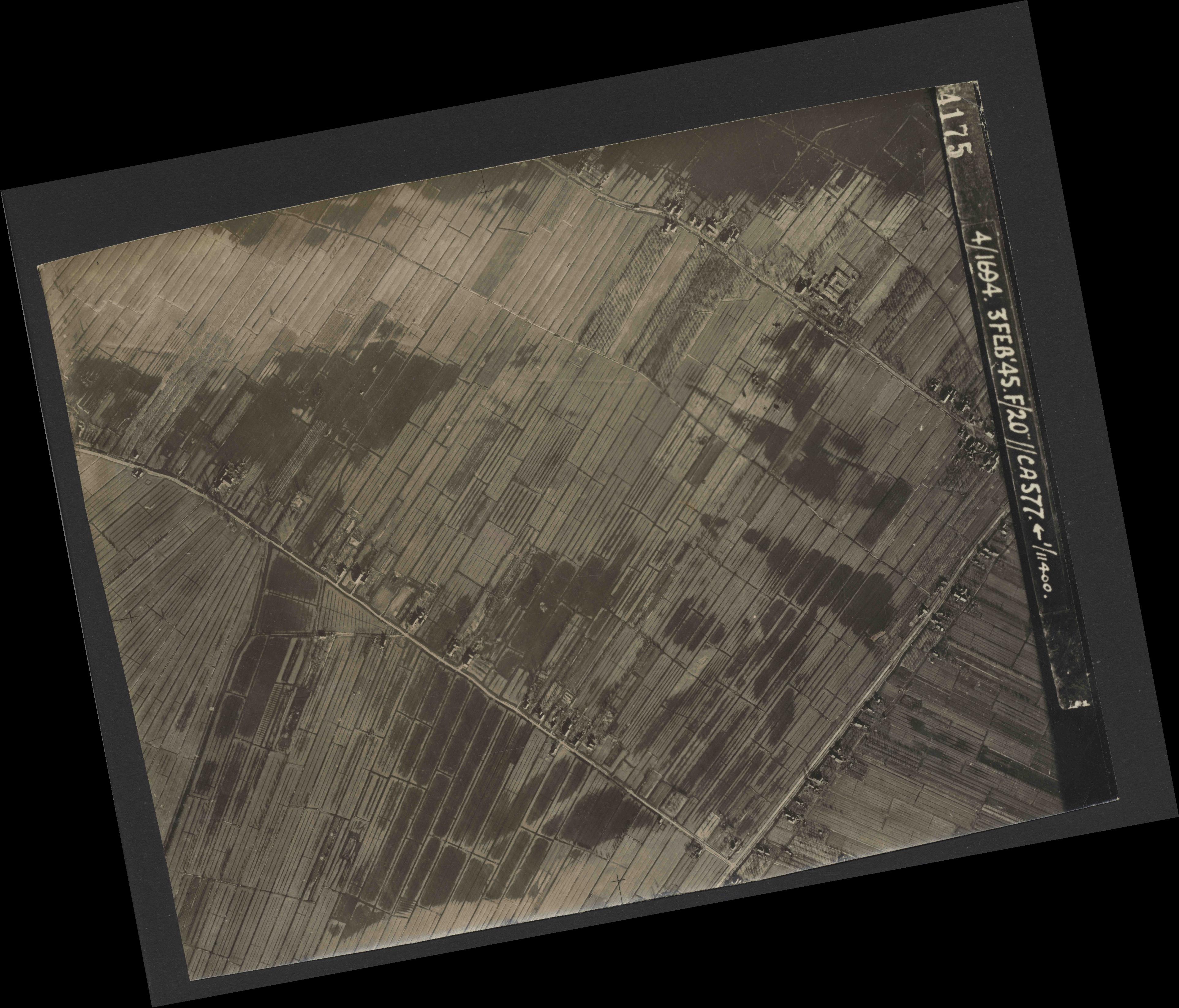Collection RAF aerial photos 1940-1945 - flight 292, run 08, photo 4175