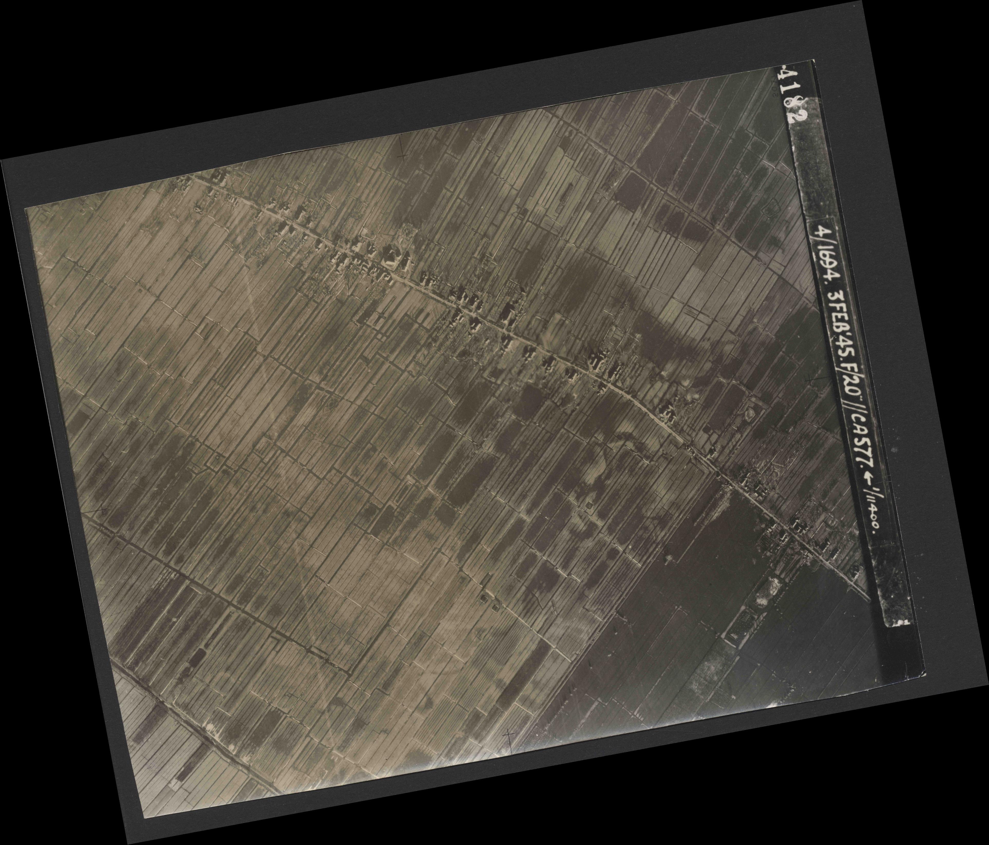 Collection RAF aerial photos 1940-1945 - flight 292, run 08, photo 4182