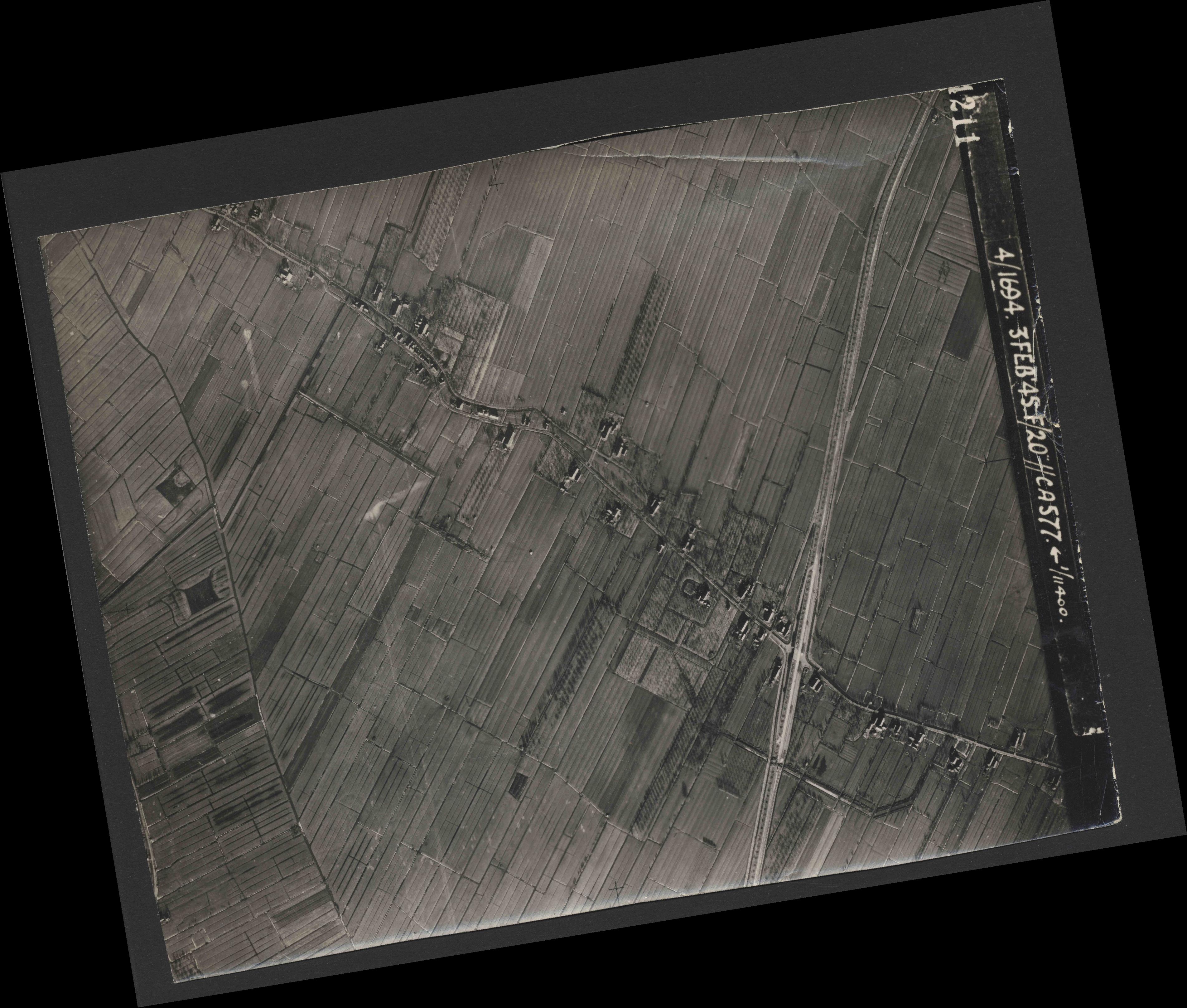 Collection RAF aerial photos 1940-1945 - flight 292, run 08, photo 4211