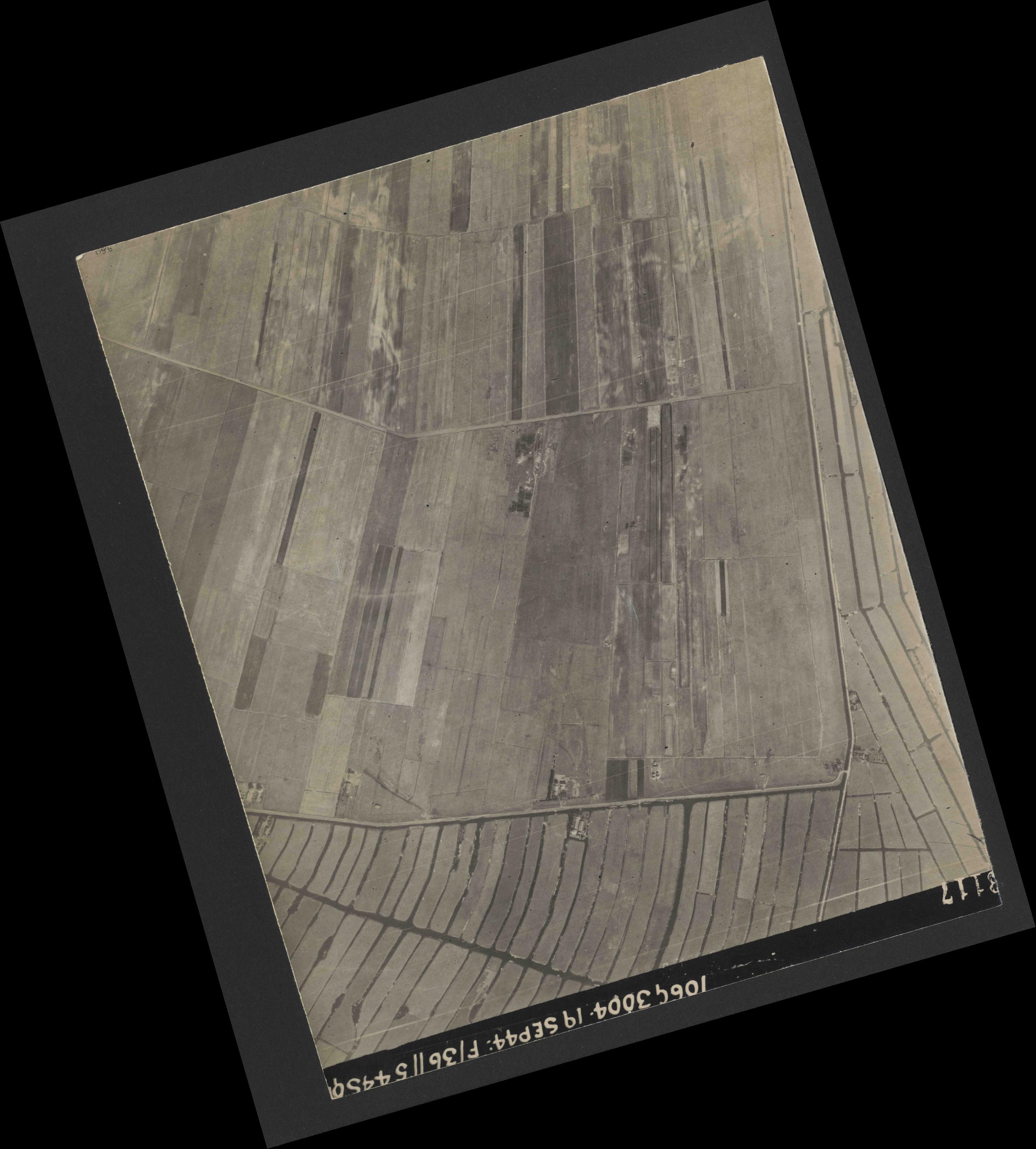 Collection RAF aerial photos 1940-1945 - flight 296, run 02, photo 3117