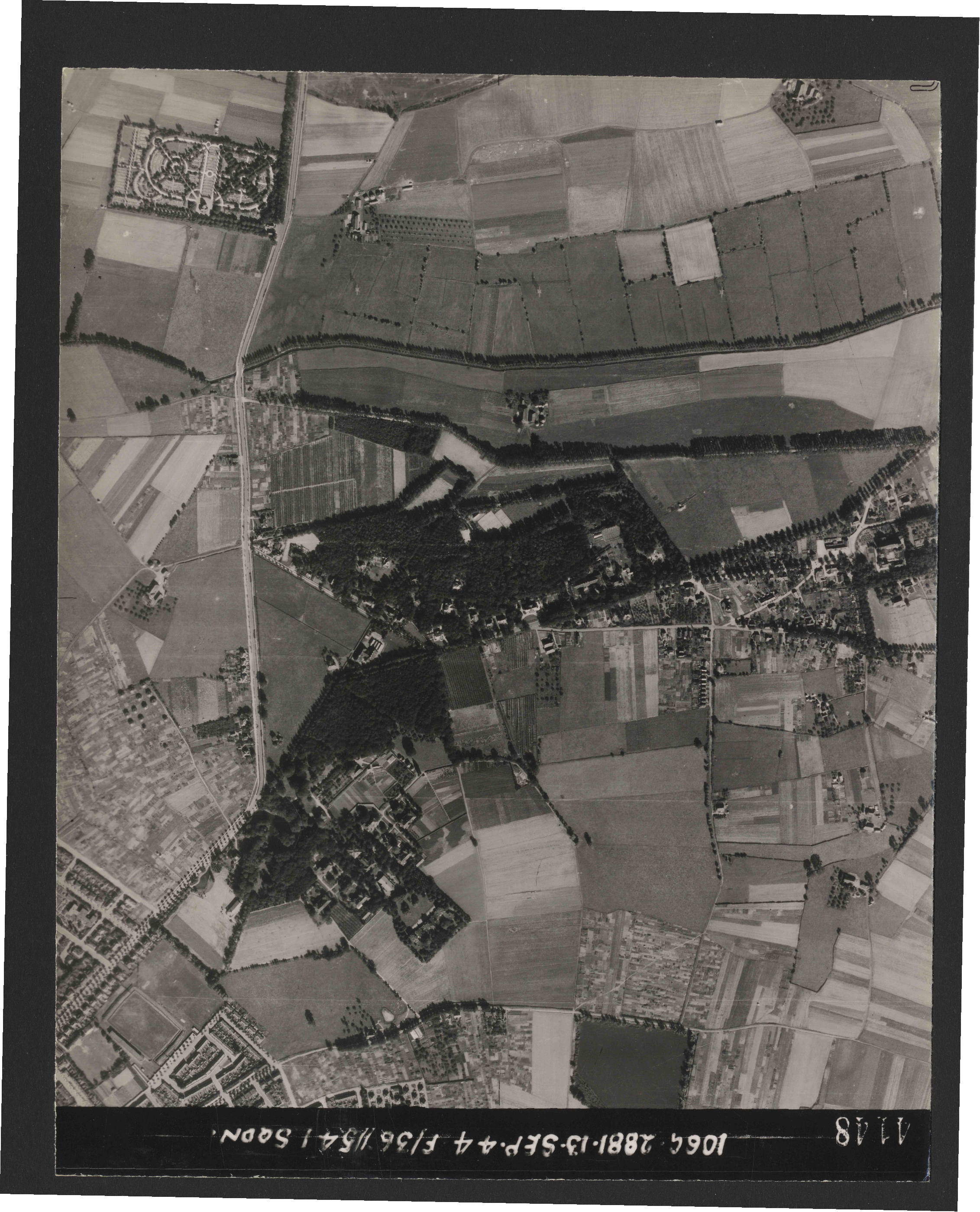 Collection RAF aerial photos 1940-1945 - flight 298, run 21, photo 4148