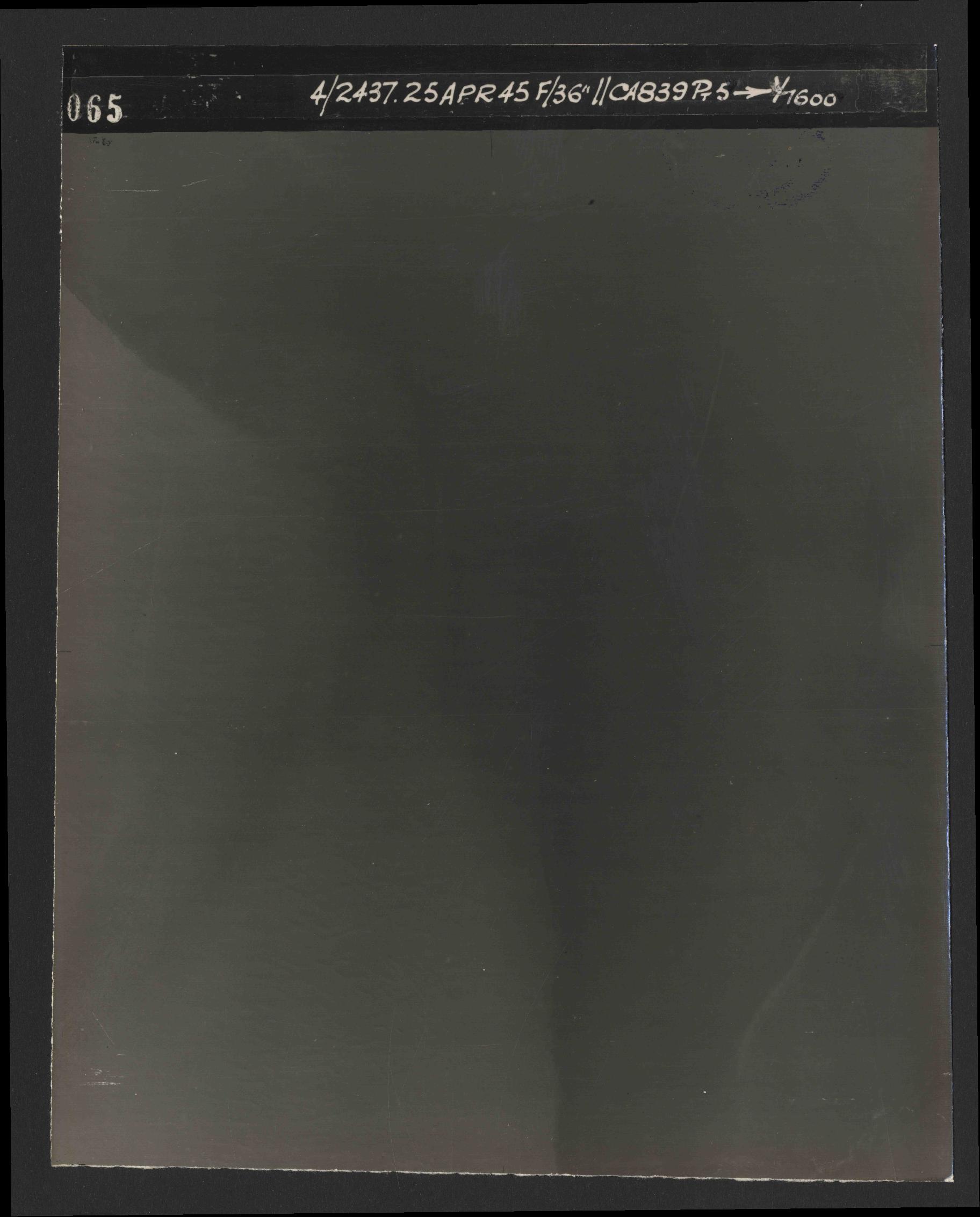 Collection RAF aerial photos 1940-1945 - flight 300, run 07, photo 3065