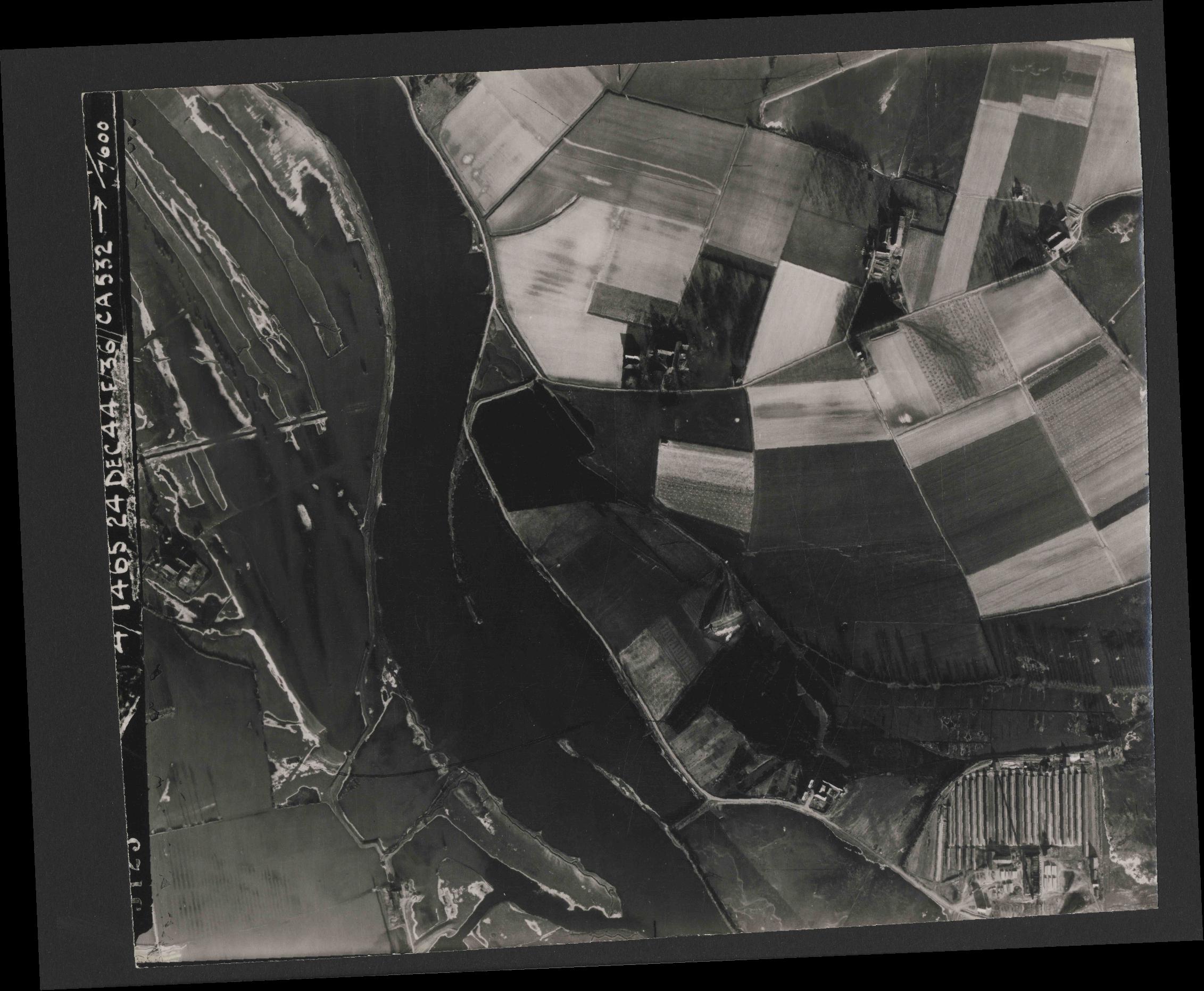 Collection RAF aerial photos 1940-1945 - flight 304, run 01, photo 3123
