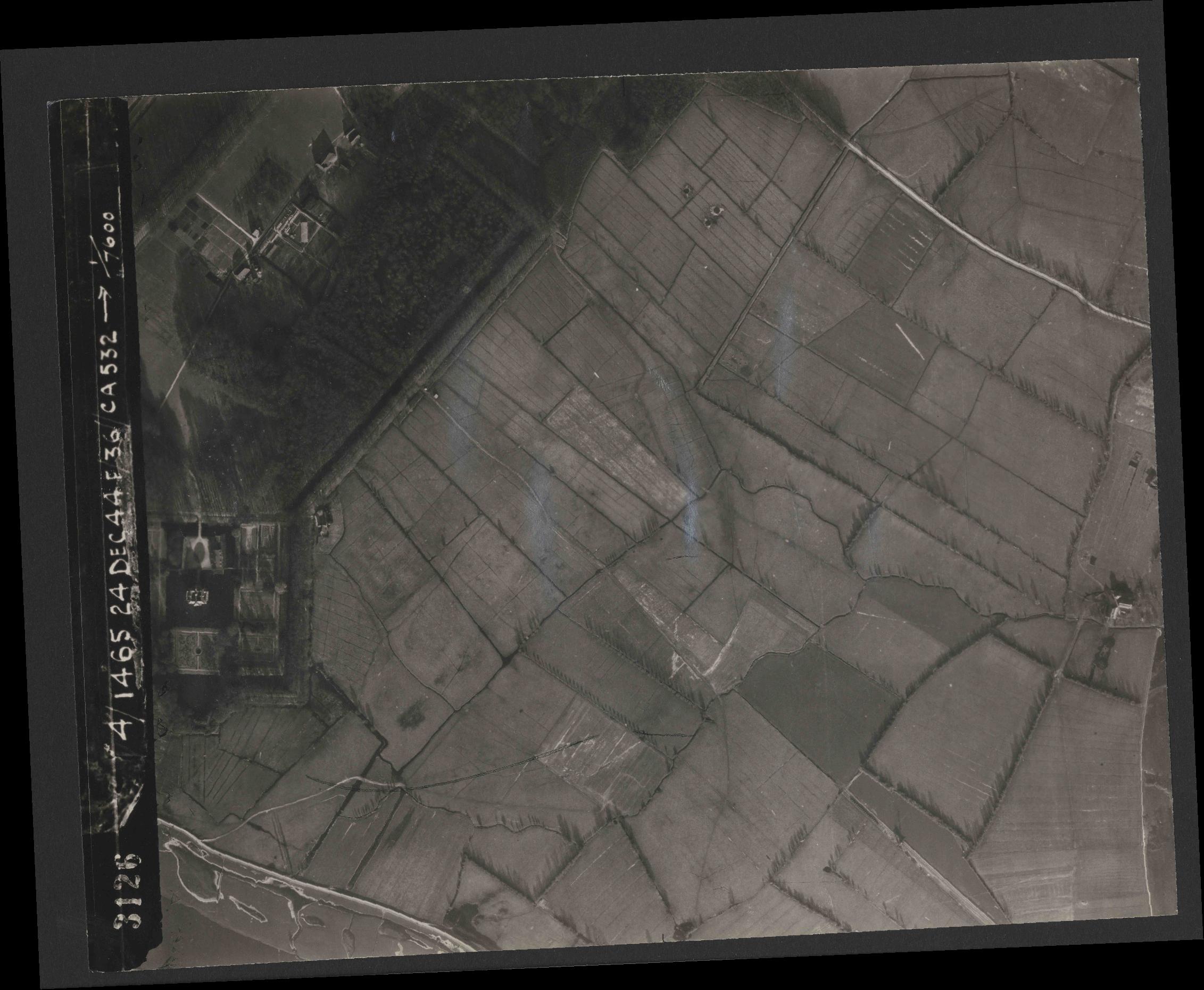 Collection RAF aerial photos 1940-1945 - flight 304, run 01, photo 3126