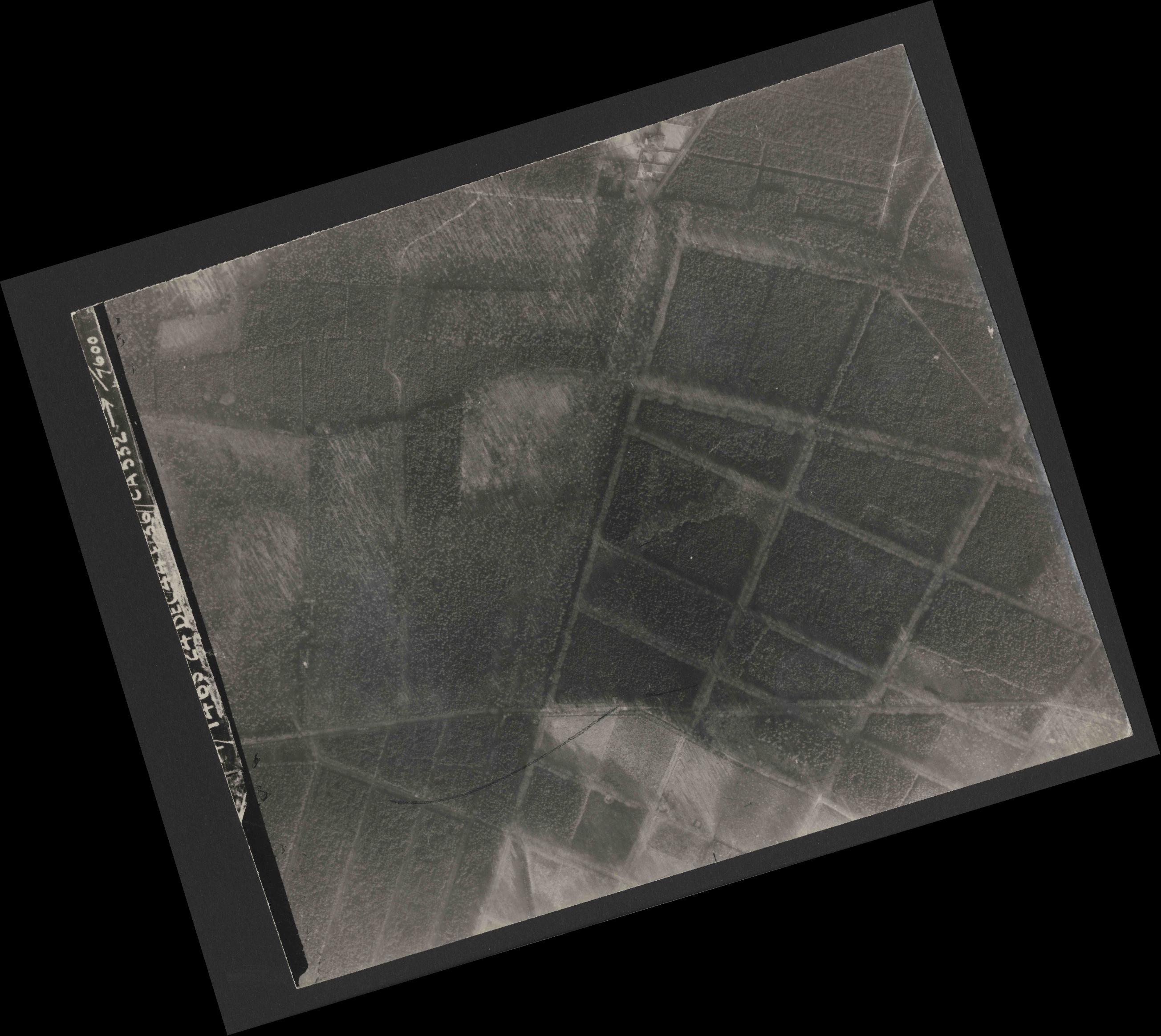 Collection RAF aerial photos 1940-1945 - flight 304, run 01, photo 3131