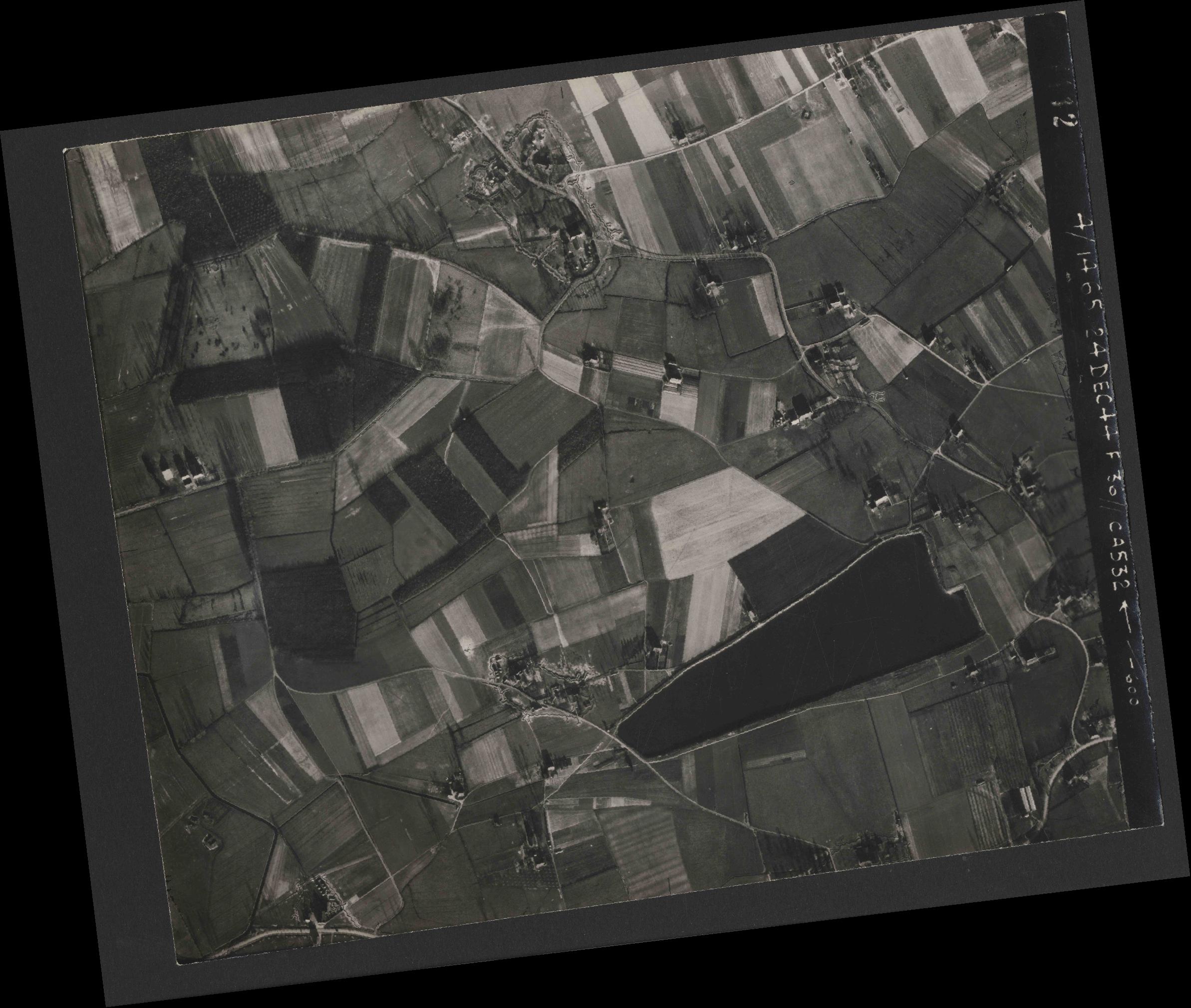 Collection RAF aerial photos 1940-1945 - flight 304, run 02, photo 4112
