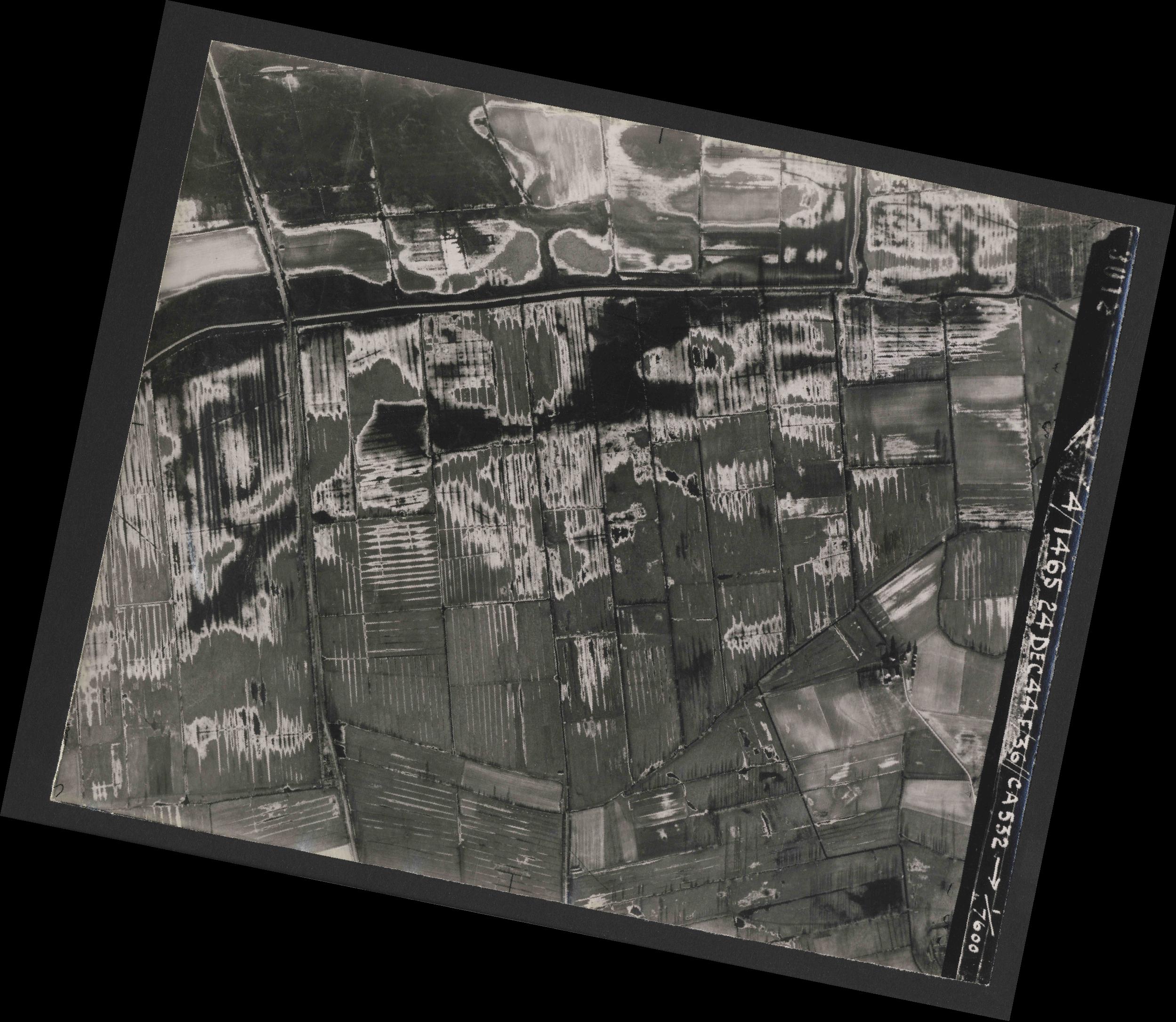 Collection RAF aerial photos 1940-1945 - flight 304, run 04, photo 3012