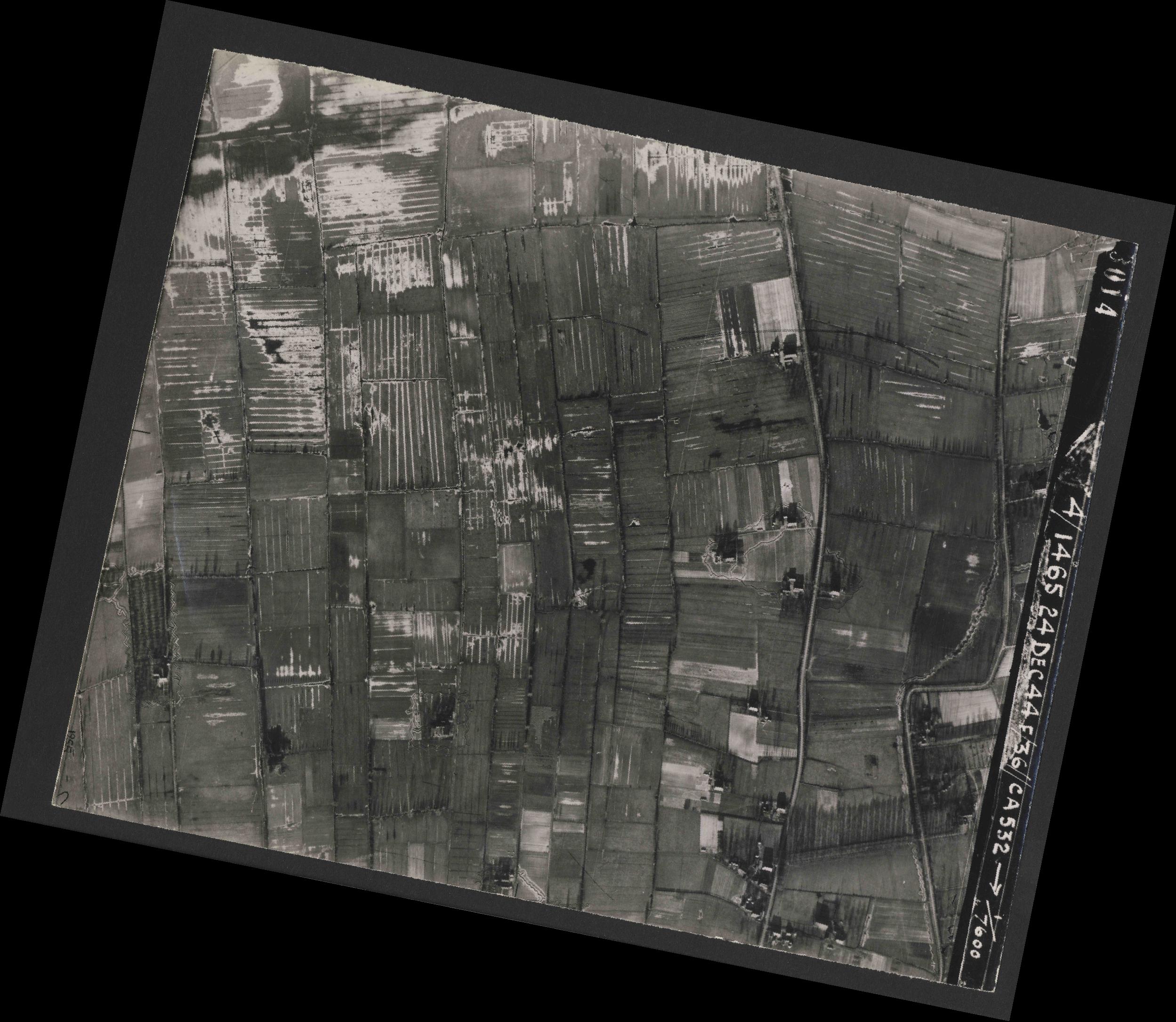 Collection RAF aerial photos 1940-1945 - flight 304, run 04, photo 3014