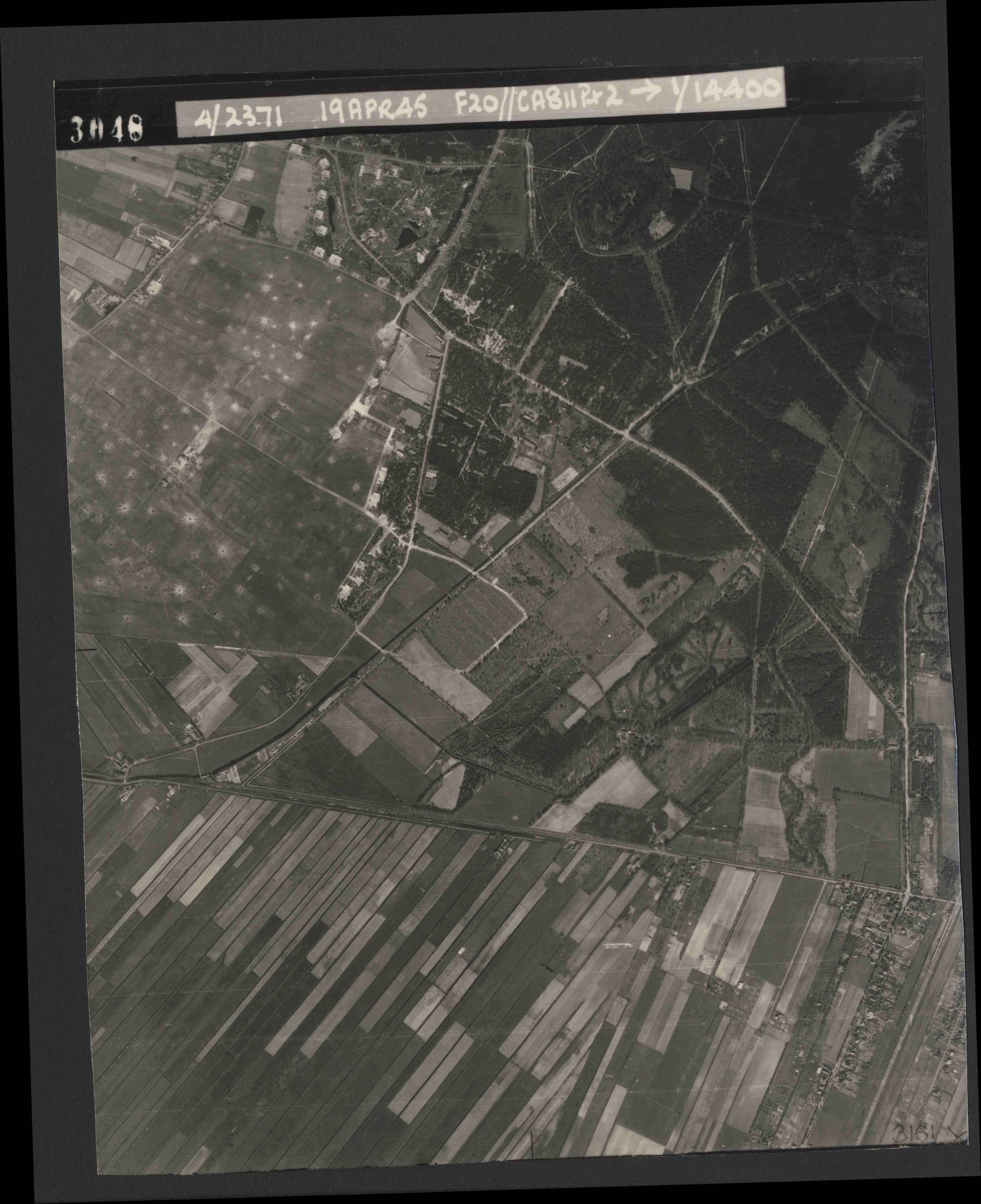 Collection RAF aerial photos 1940-1945 - flight 305, run 03, photo 3048