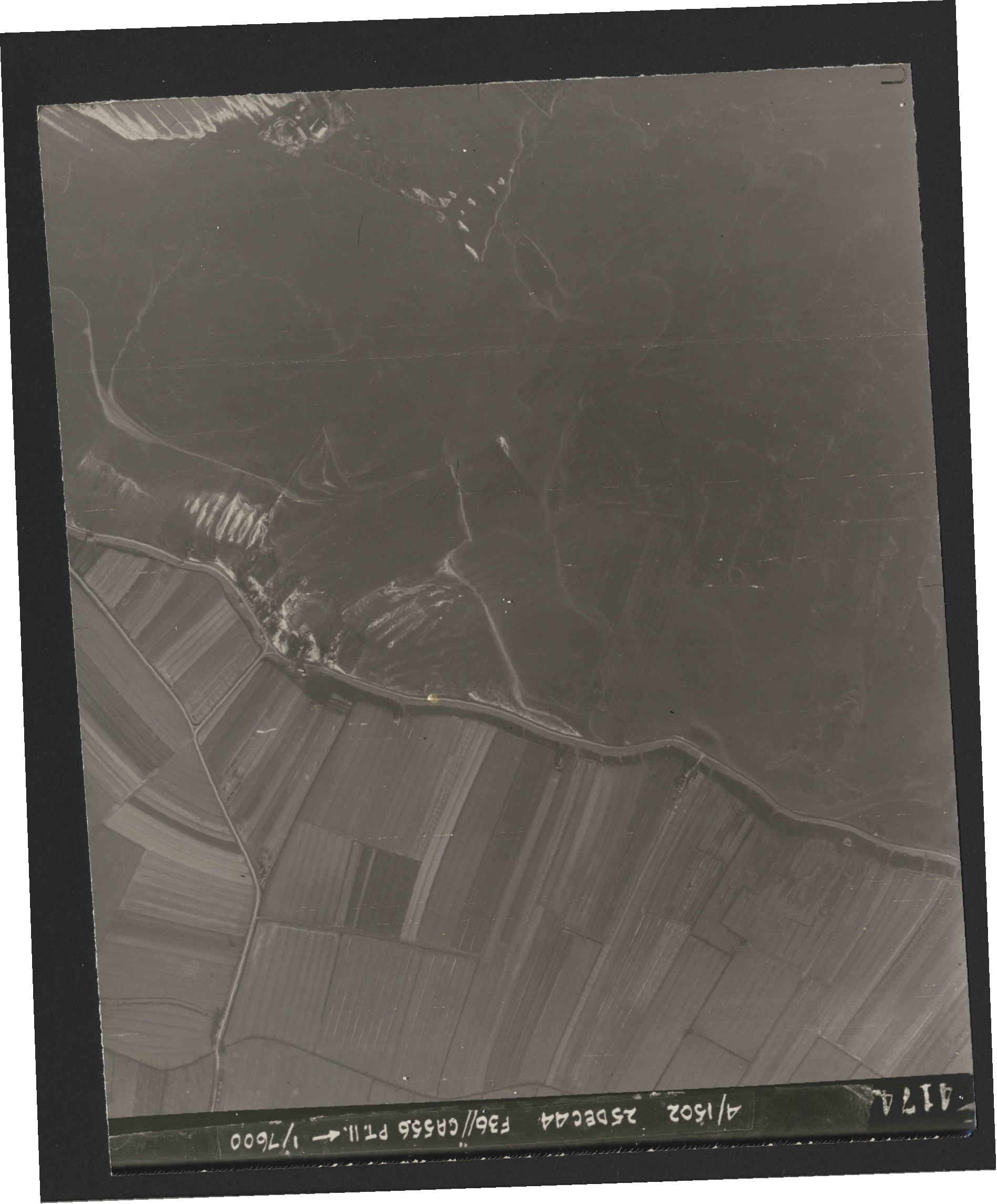 Collection RAF aerial photos 1940-1945 - flight 306, run 05, photo 4174