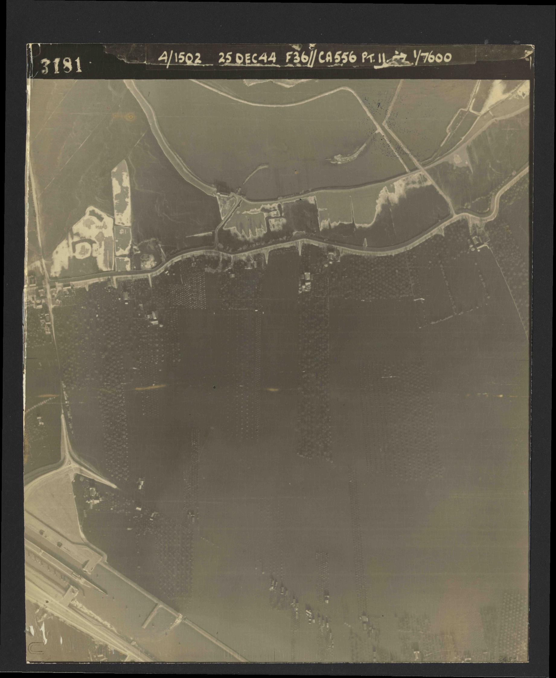 Collection RAF aerial photos 1940-1945 - flight 306, run 06, photo 3181