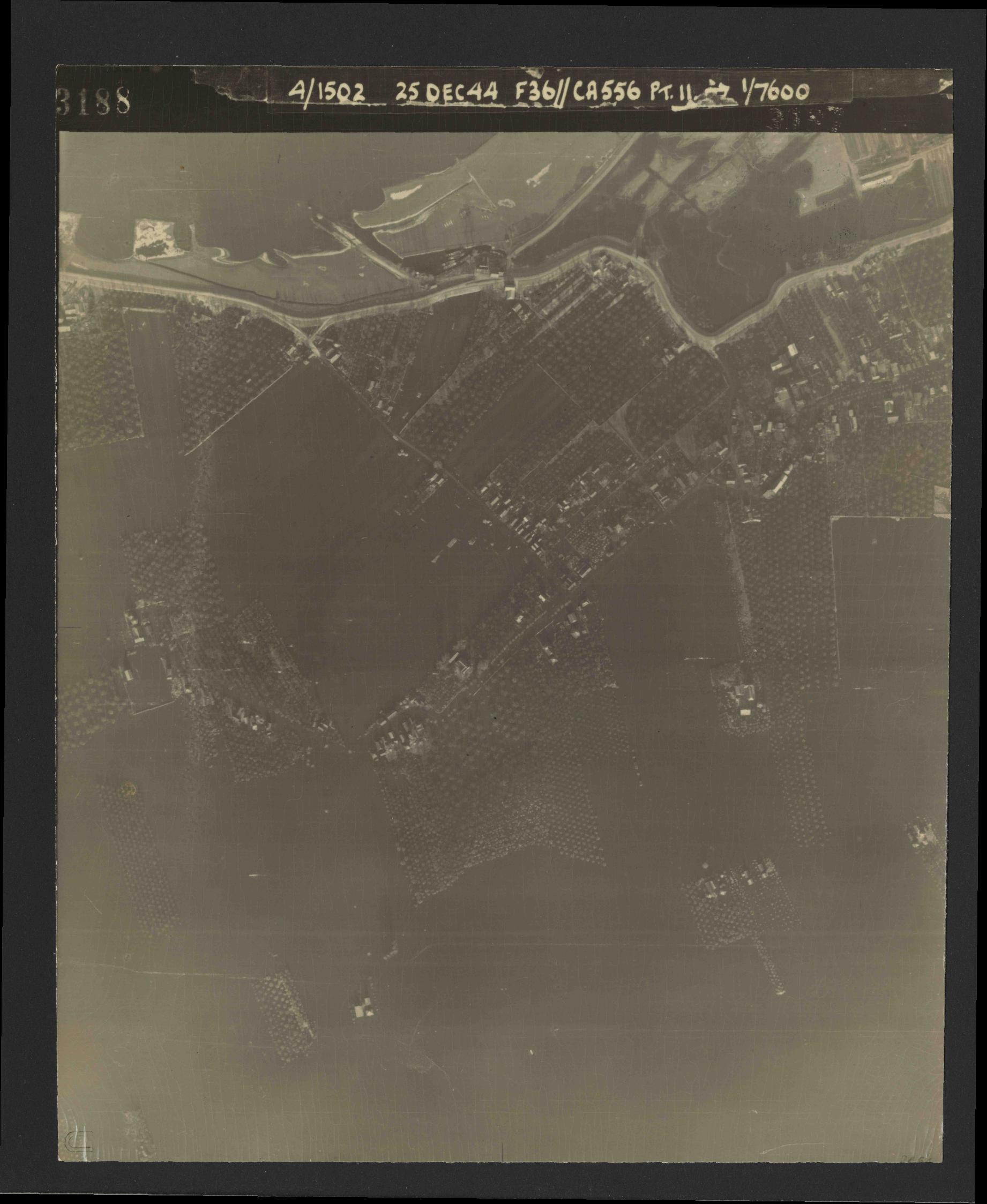 Collection RAF aerial photos 1940-1945 - flight 306, run 06, photo 3188