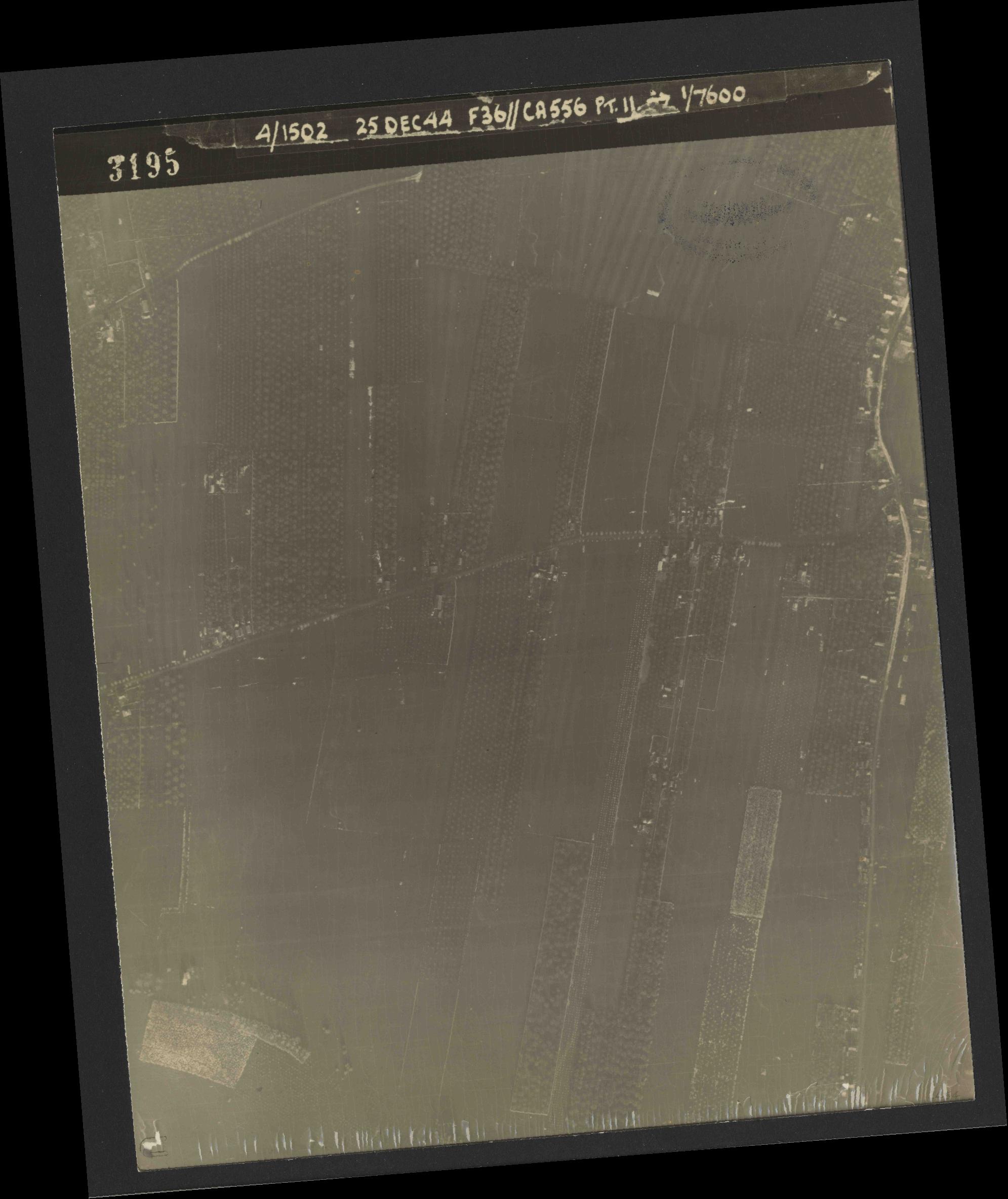 Collection RAF aerial photos 1940-1945 - flight 306, run 06, photo 3195