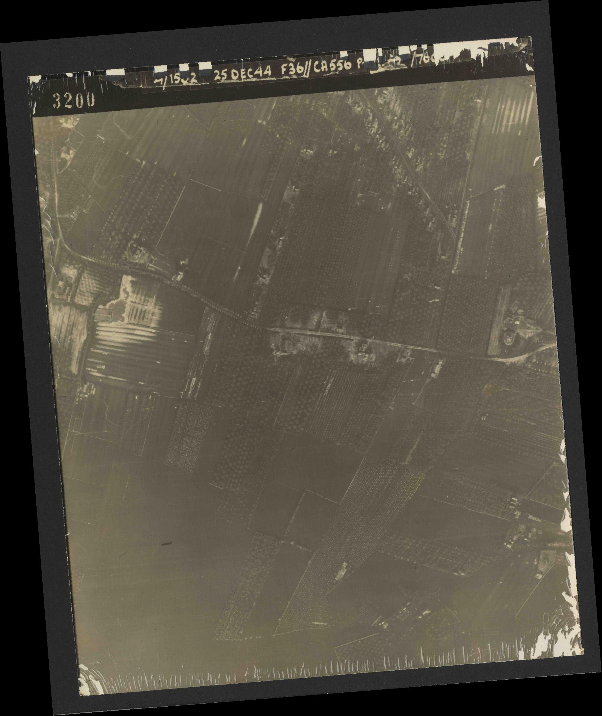 Collection RAF aerial photos 1940-1945 - flight 306, run 06, photo 3200