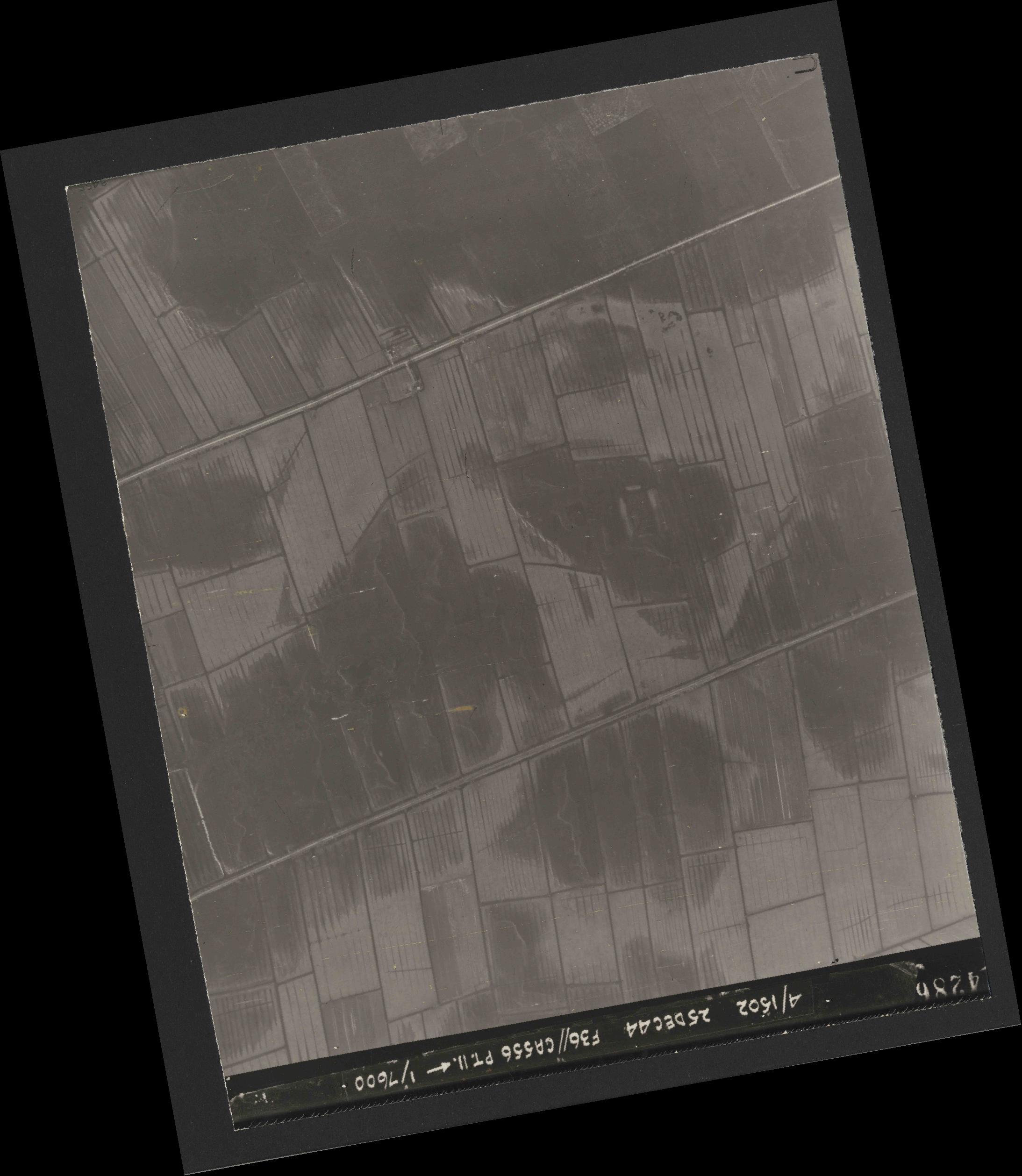 Collection RAF aerial photos 1940-1945 - flight 306, run 09, photo 4286