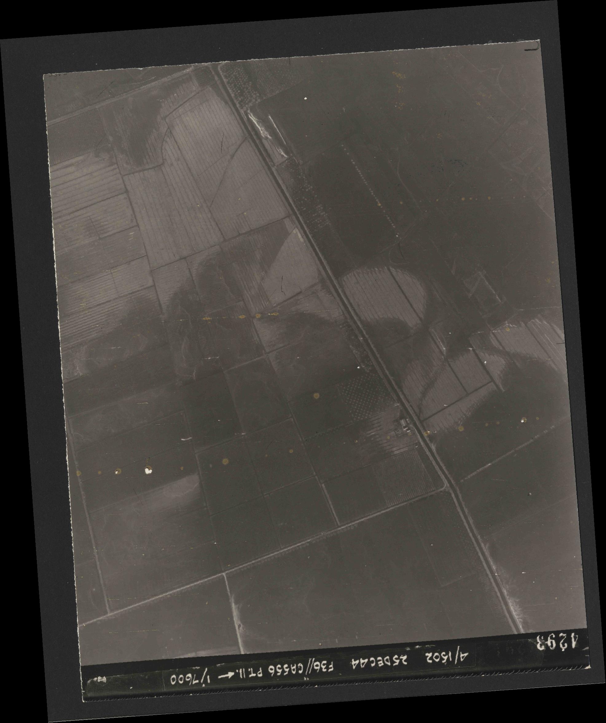 Collection RAF aerial photos 1940-1945 - flight 306, run 09, photo 4293