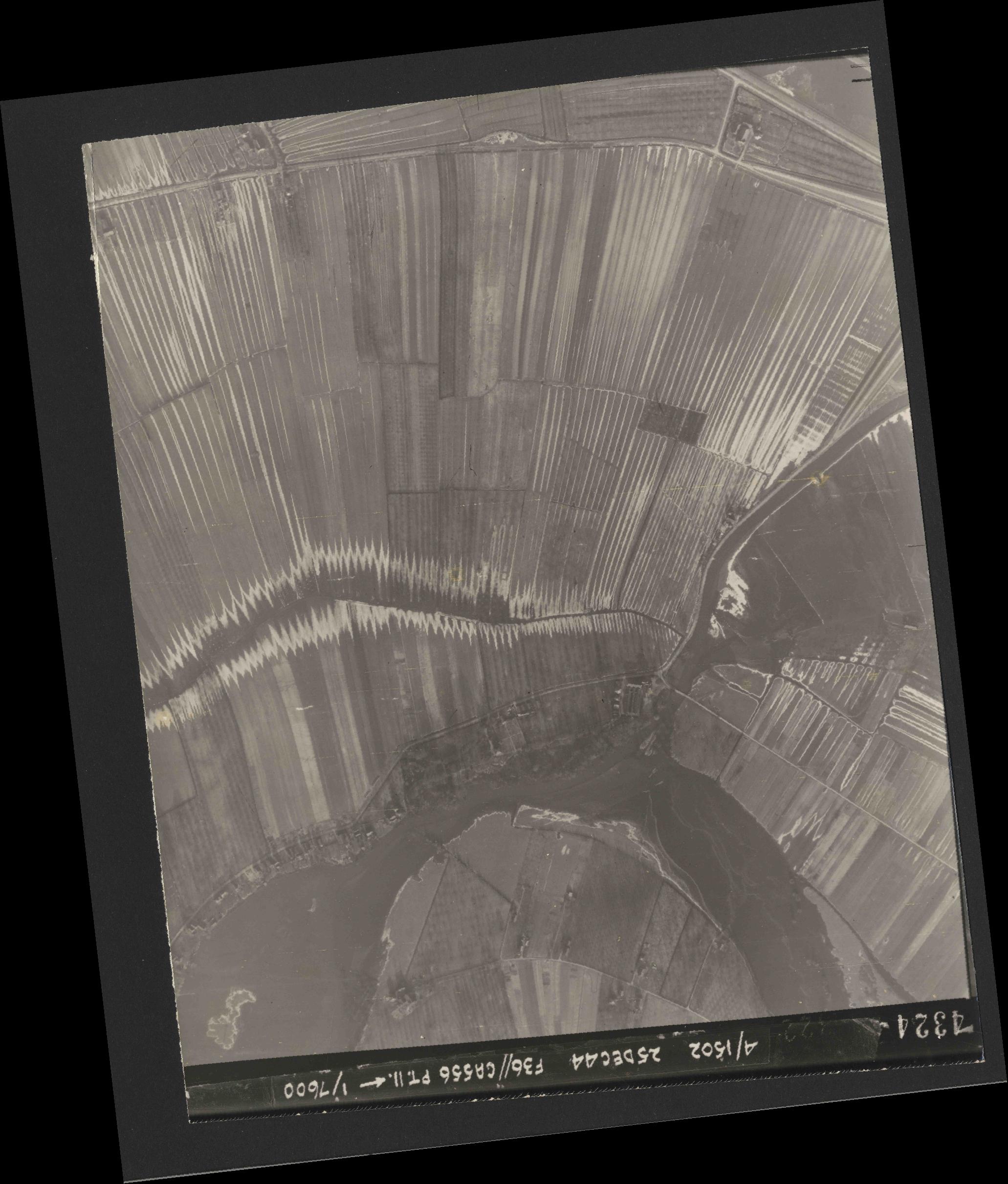Collection RAF aerial photos 1940-1945 - flight 306, run 09, photo 4324