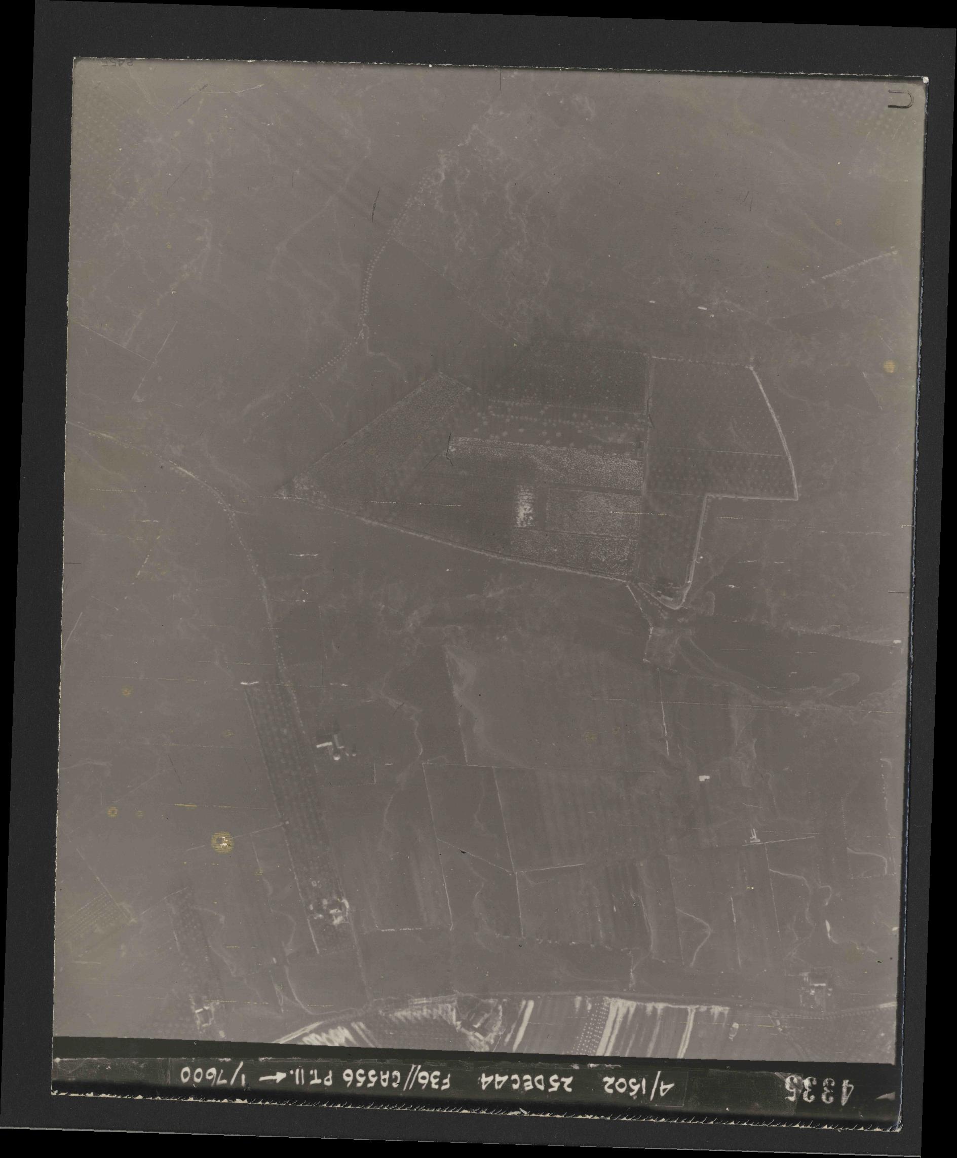 Collection RAF aerial photos 1940-1945 - flight 306, run 09, photo 4335