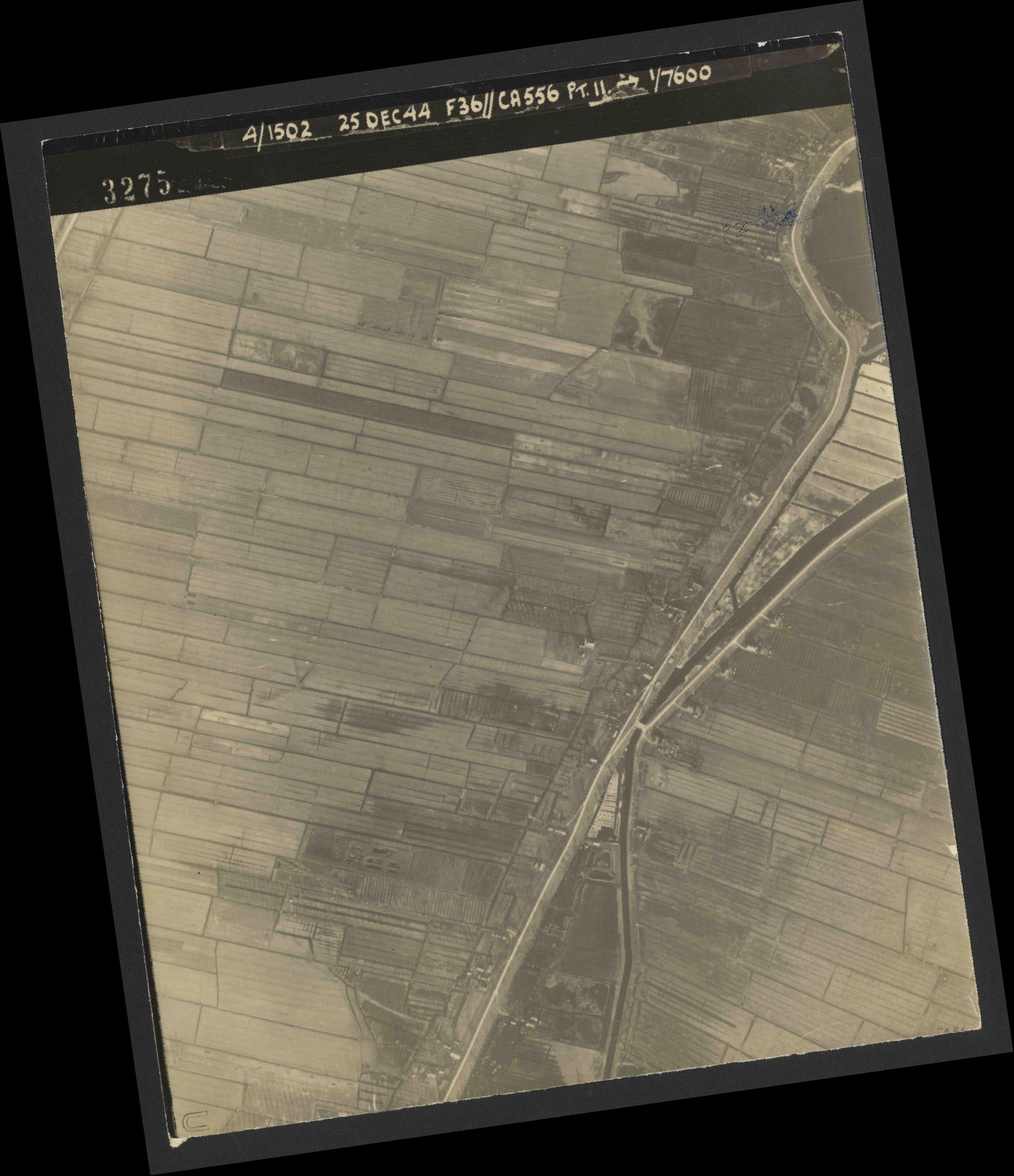 Collection RAF aerial photos 1940-1945 - flight 306, run 10, photo 3275
