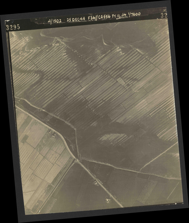 Collection RAF aerial photos 1940-1945 - flight 306, run 10, photo 3295