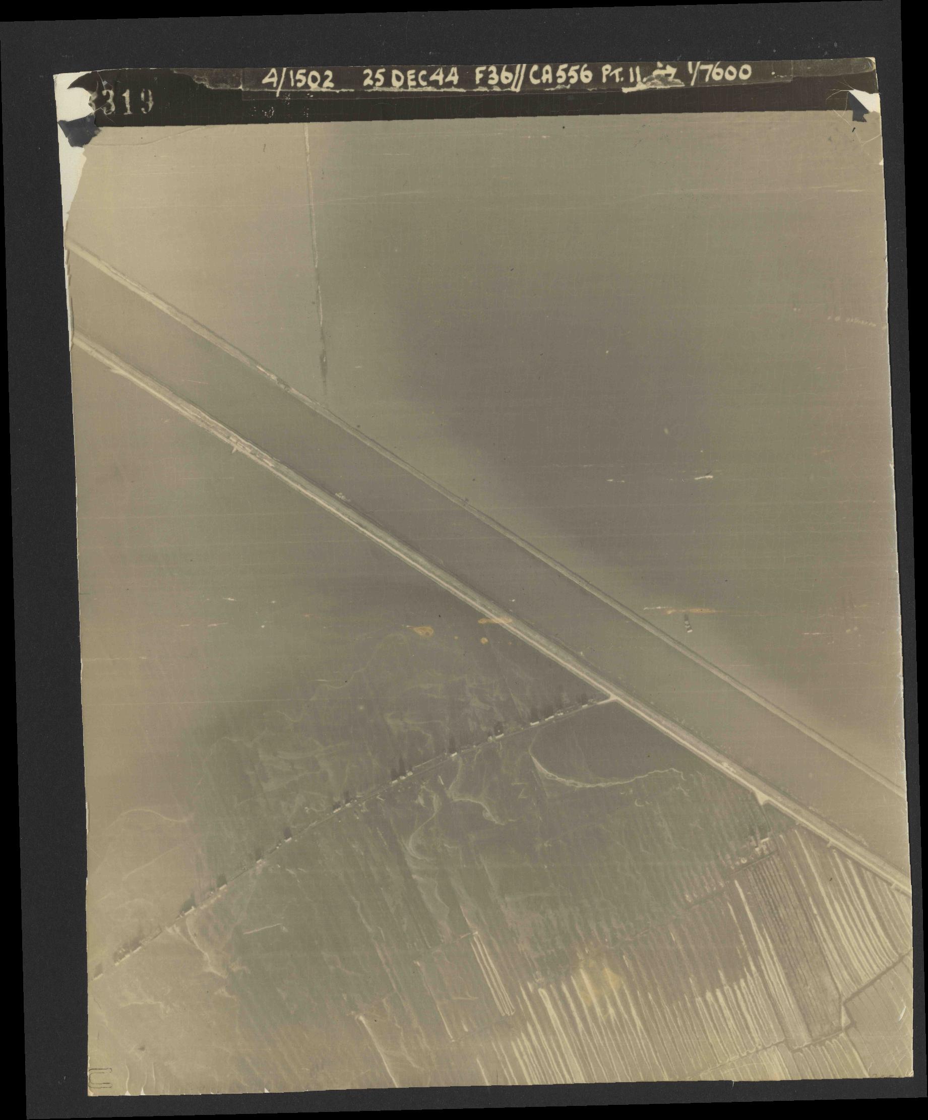 Collection RAF aerial photos 1940-1945 - flight 306, run 10, photo 3319