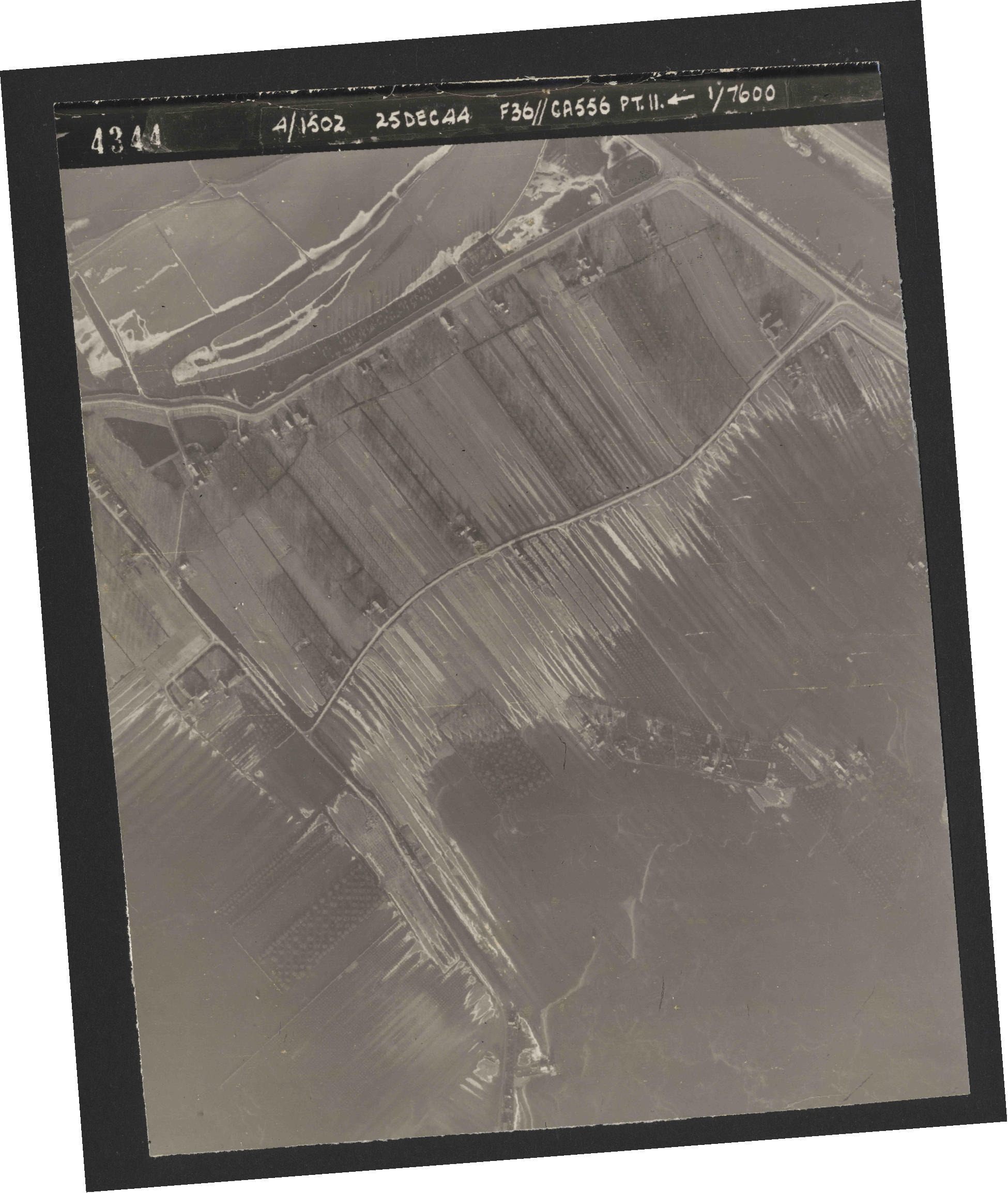 Collection RAF aerial photos 1940-1945 - flight 306, run 11, photo 4344