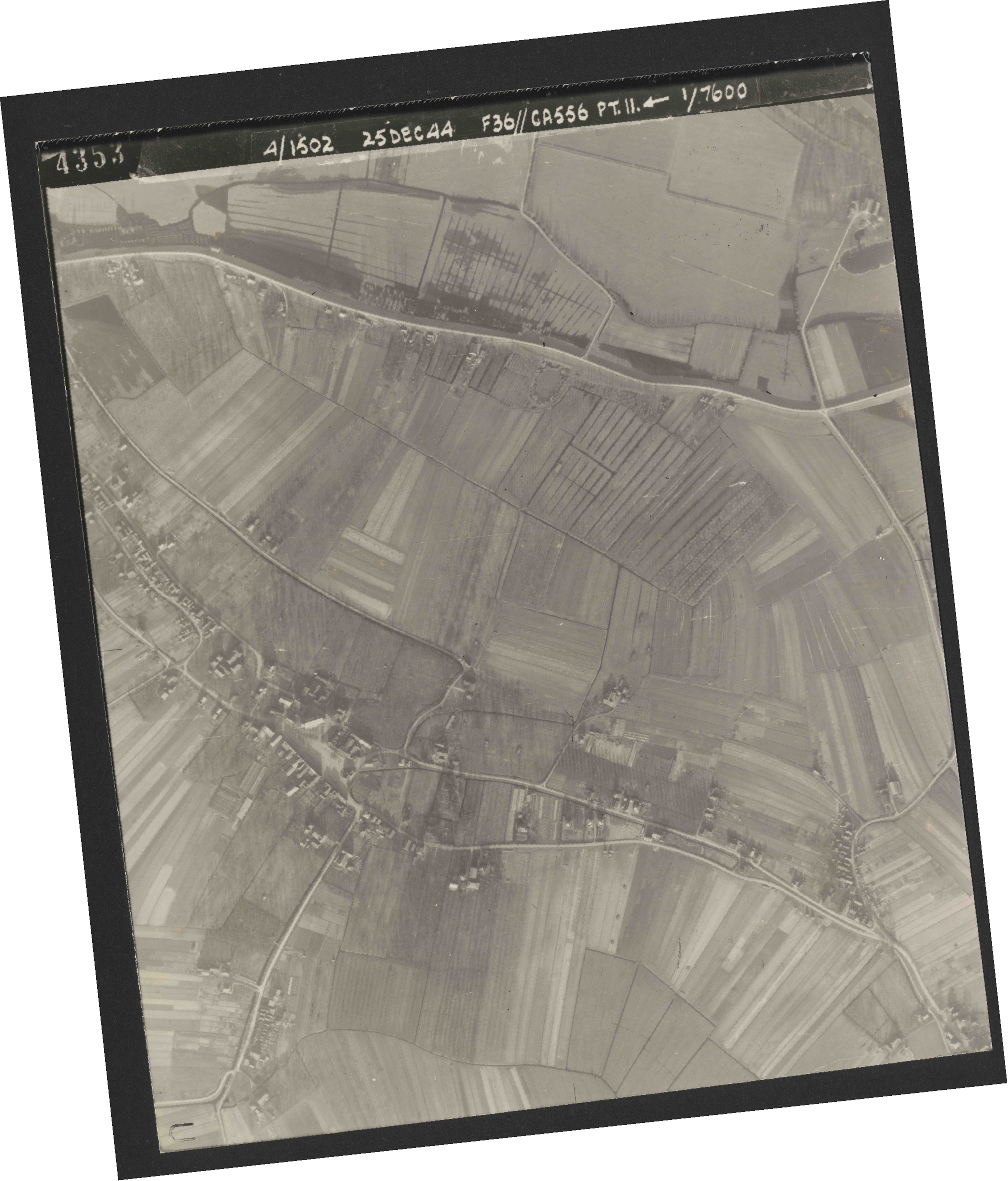Collection RAF aerial photos 1940-1945 - flight 306, run 11, photo 4353