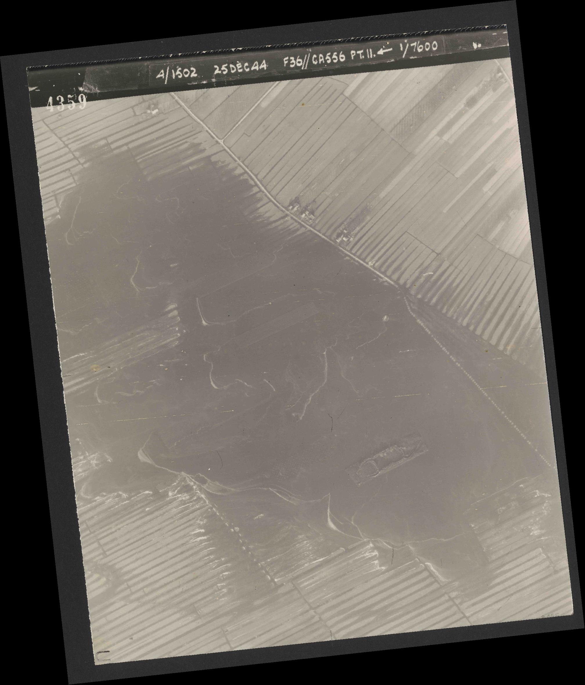 Collection RAF aerial photos 1940-1945 - flight 306, run 11, photo 4359