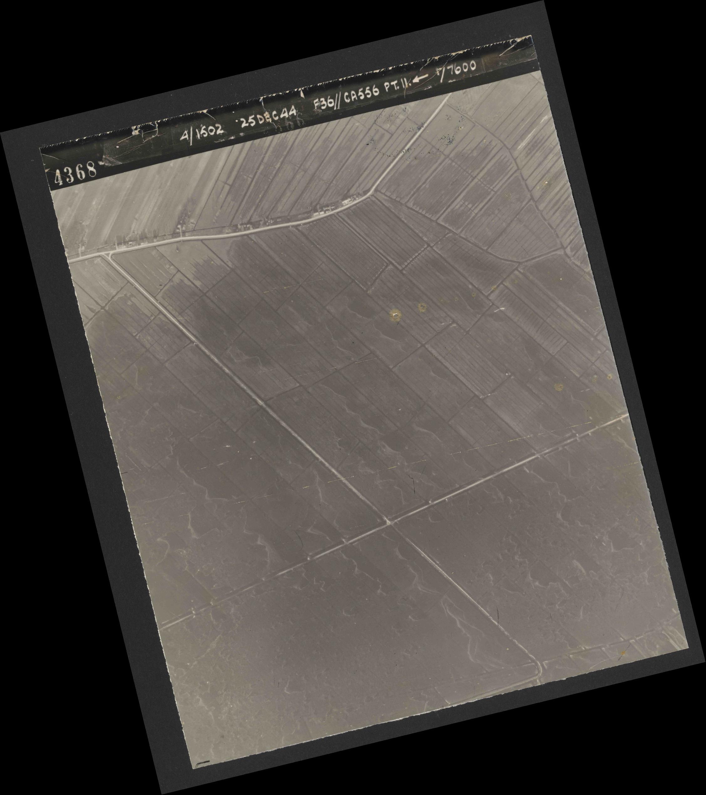 Collection RAF aerial photos 1940-1945 - flight 306, run 11, photo 4368