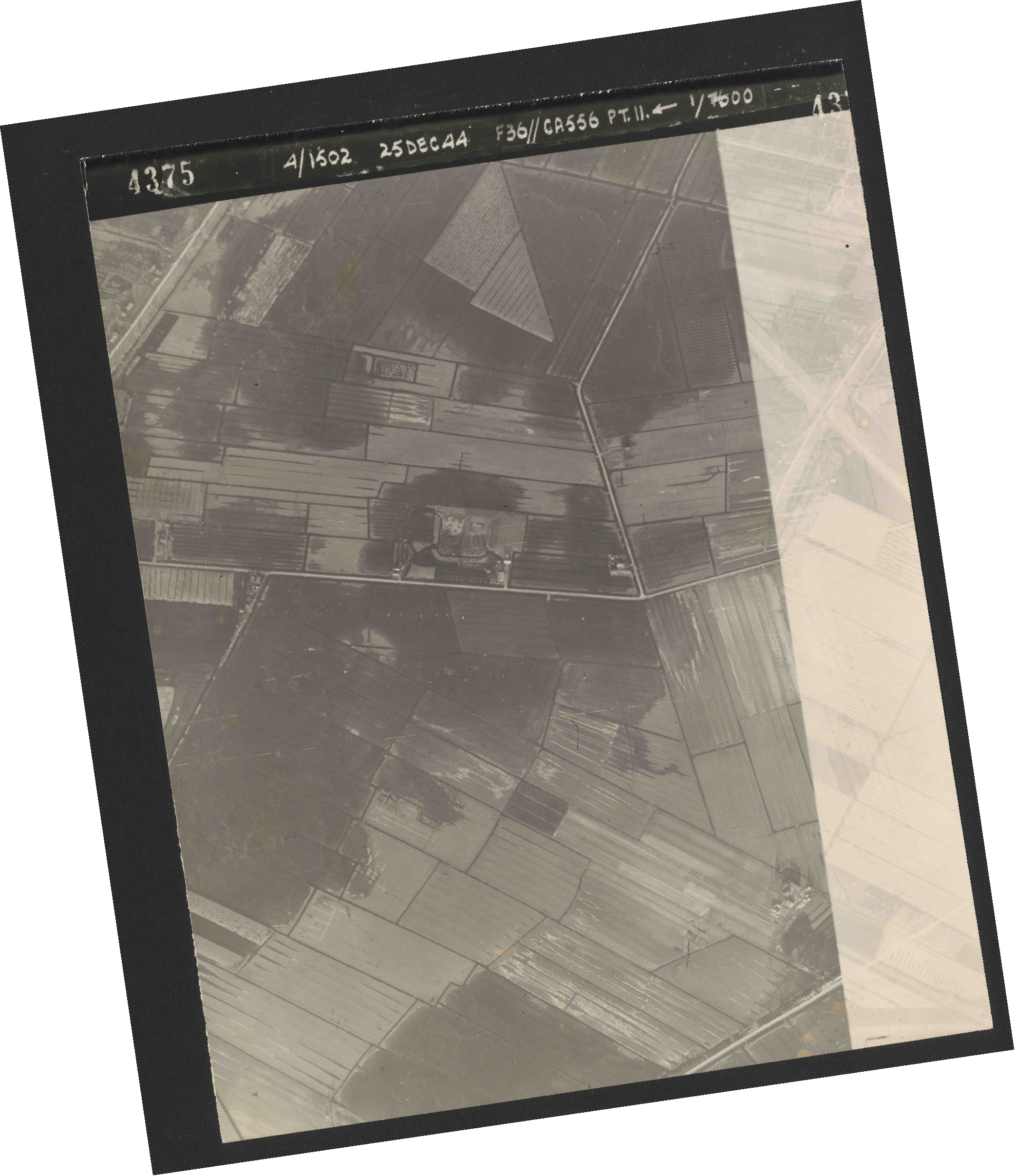 Collection RAF aerial photos 1940-1945 - flight 306, run 11, photo 4375